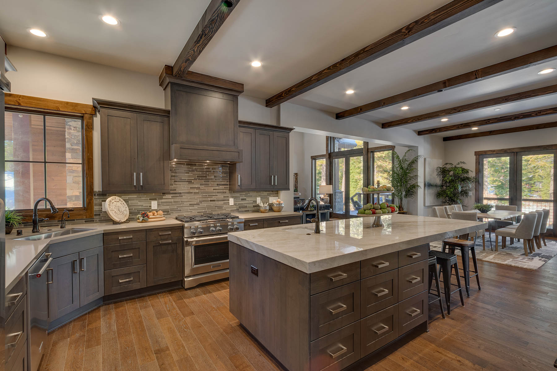 Additional photo for property listing at 9364 Nine Bark Road, Truckee, Ca 96161 9364 Nine Bark Road Truckee, California 96161 United States