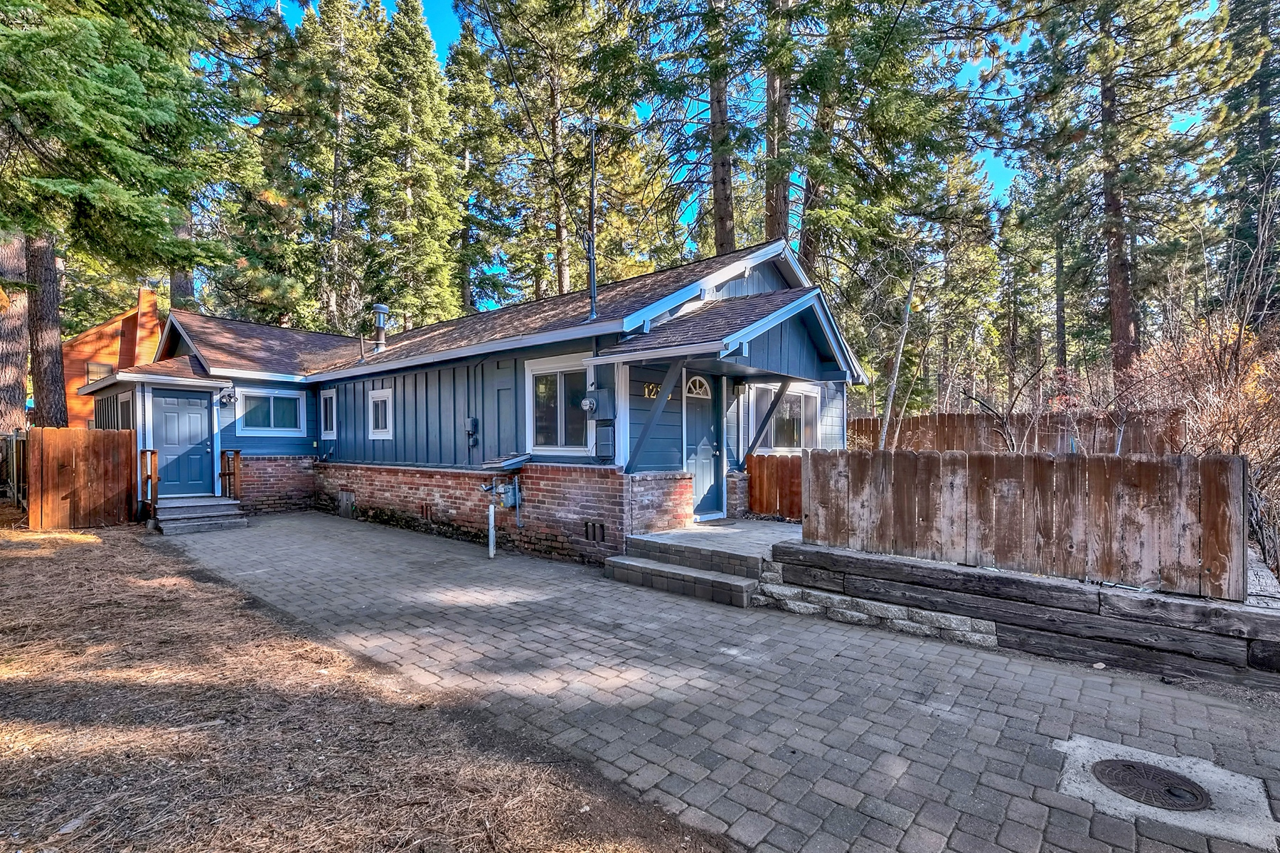 Single Family Home for Active at 1285 Margaret Ave, South Lake Tahoe, Ca 96150 1285 Margaret Avenue South Lake Tahoe, California 96150 United States