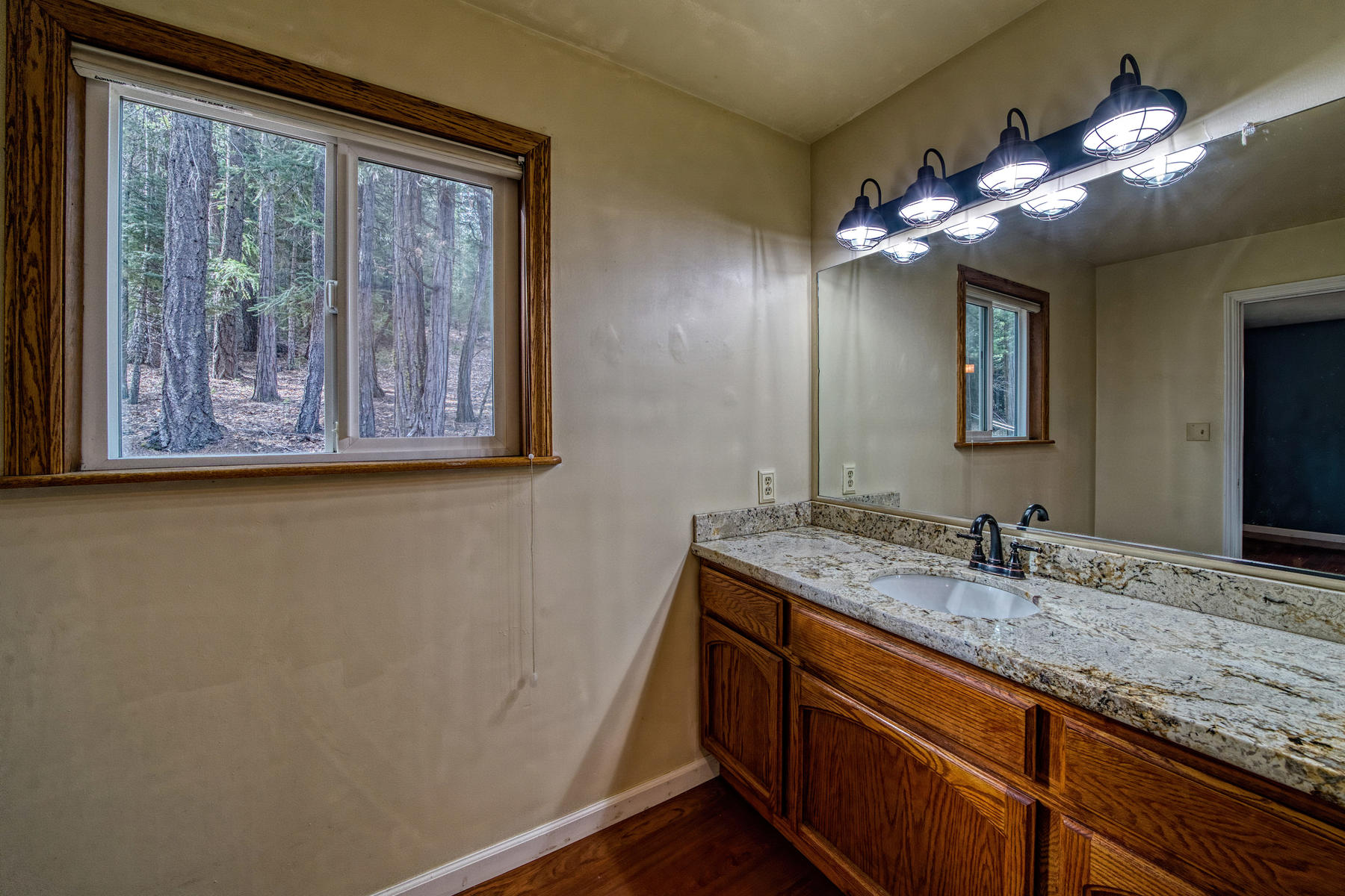 Additional photo for property listing at 570 Red Knoll Road Greenville California 95947 570 Red Knoll Road Greenville, California 95947 United States
