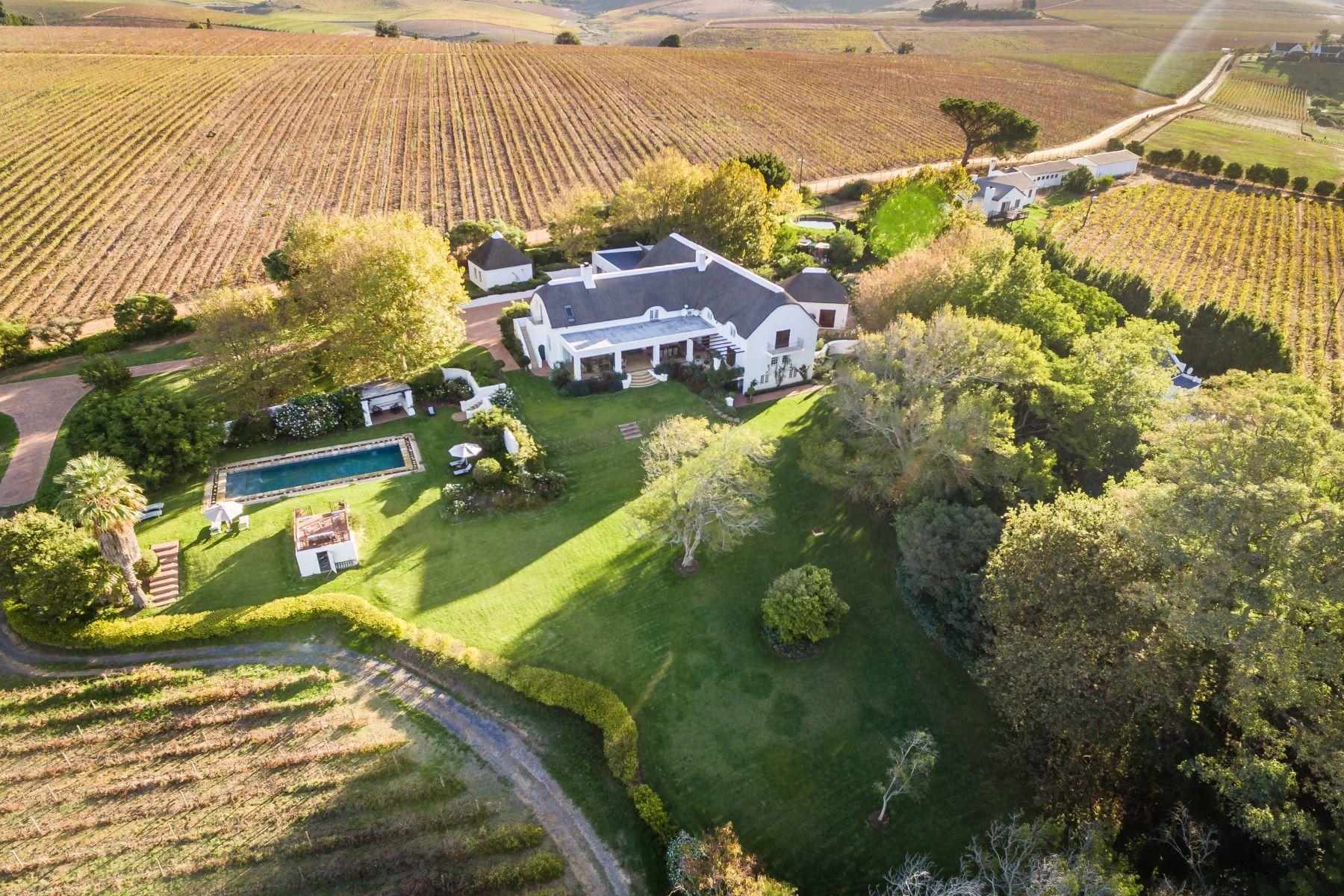ブドウ園 のために 売買 アット An invitation to elegant living Stellenbosch, 西ケープ, 7600 南アフリカ