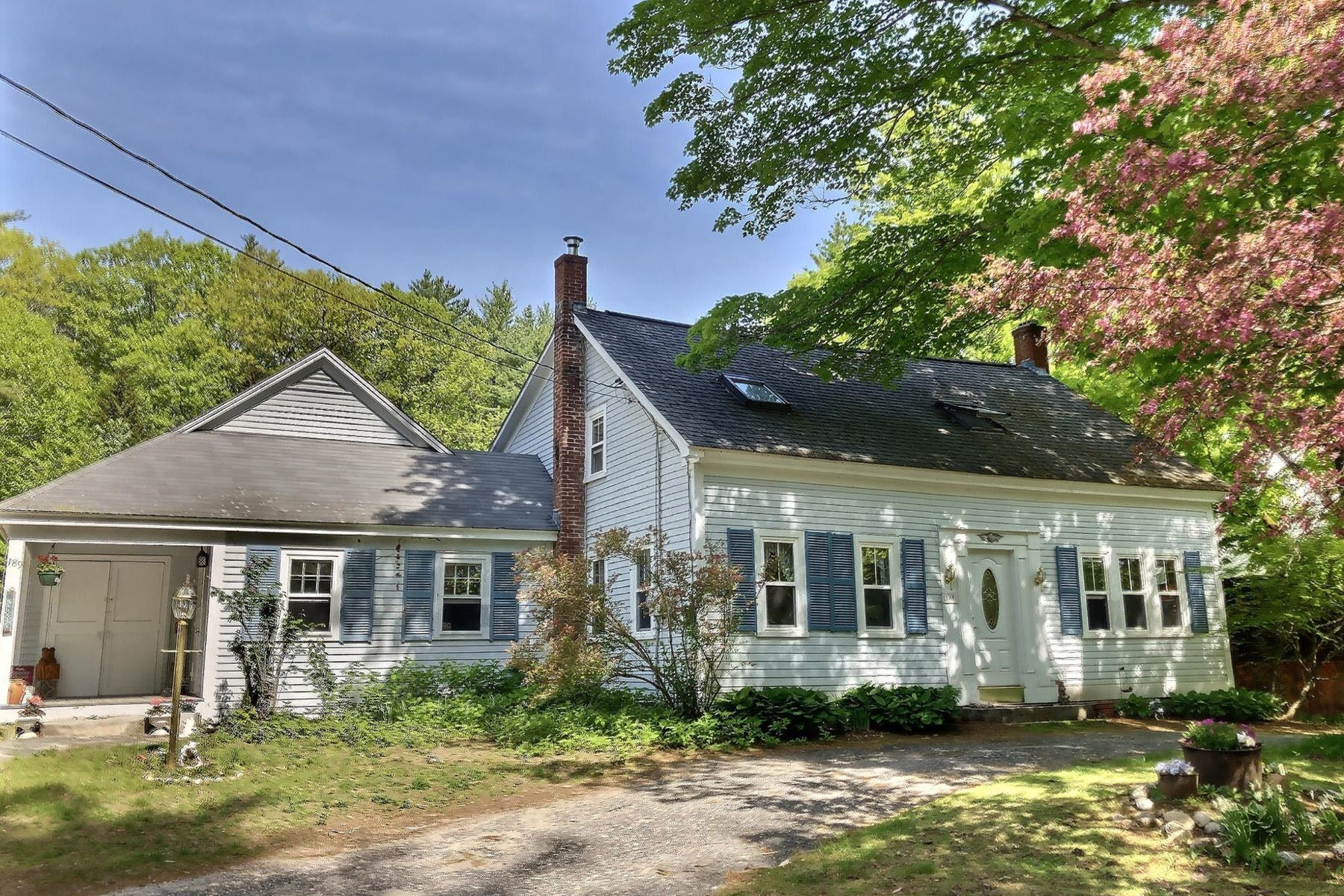Single Family Home for Sale at Country Cape with Antique Barn 189 South Rd Newbury, New Hampshire 03255 United States