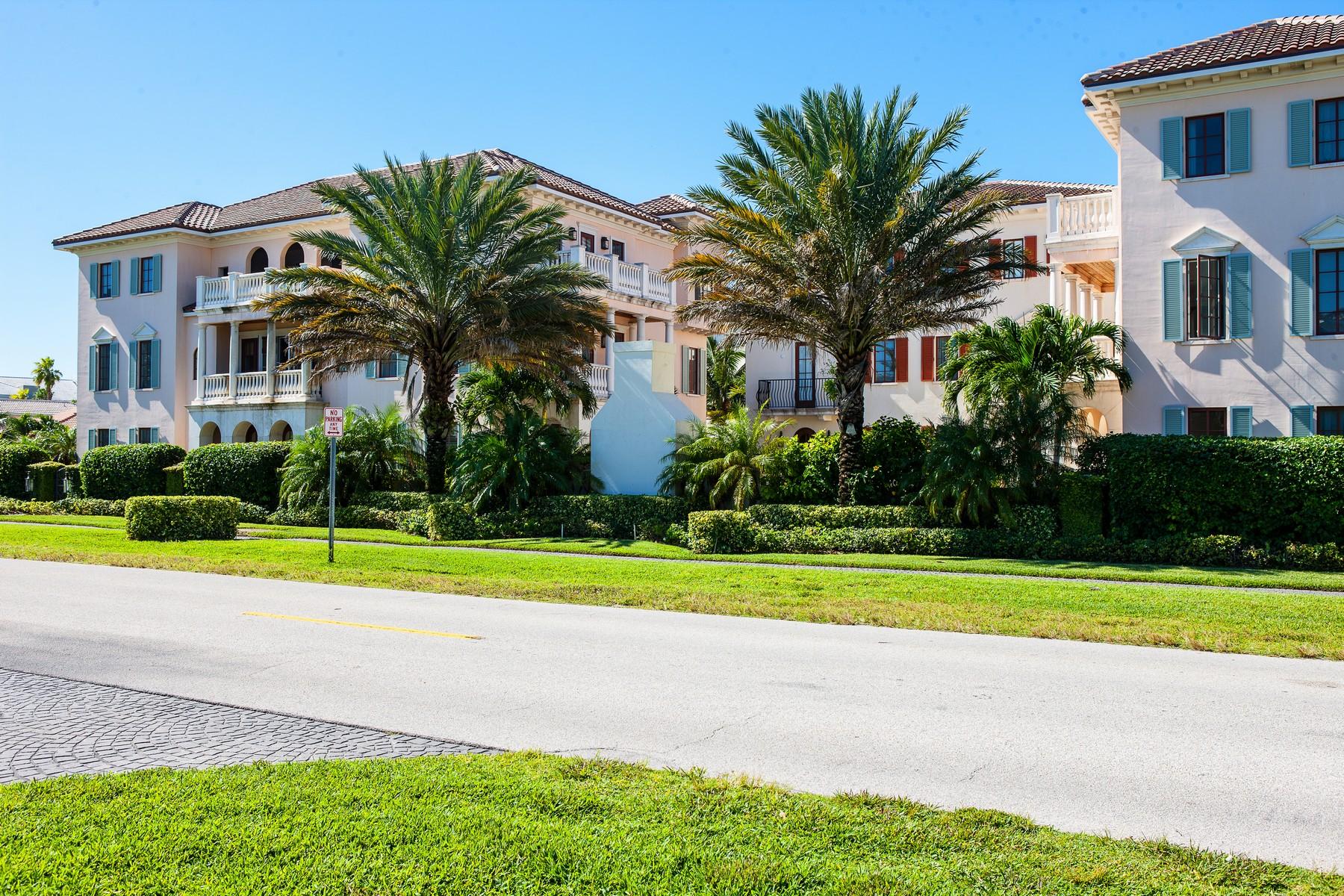 Residência urbana para Venda às Elegant Italian Villa by Beach 1515 Ocean Drive #9 Vero Beach, Florida, 32963 Estados Unidos