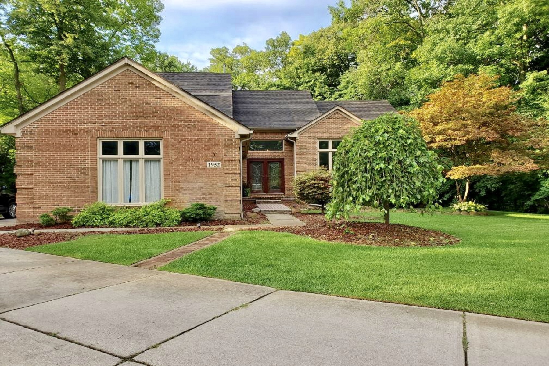 Single Family Homes for Sale at Commerce Township 1952 Hampshire Court Commerce Township, Michigan 48382 United States