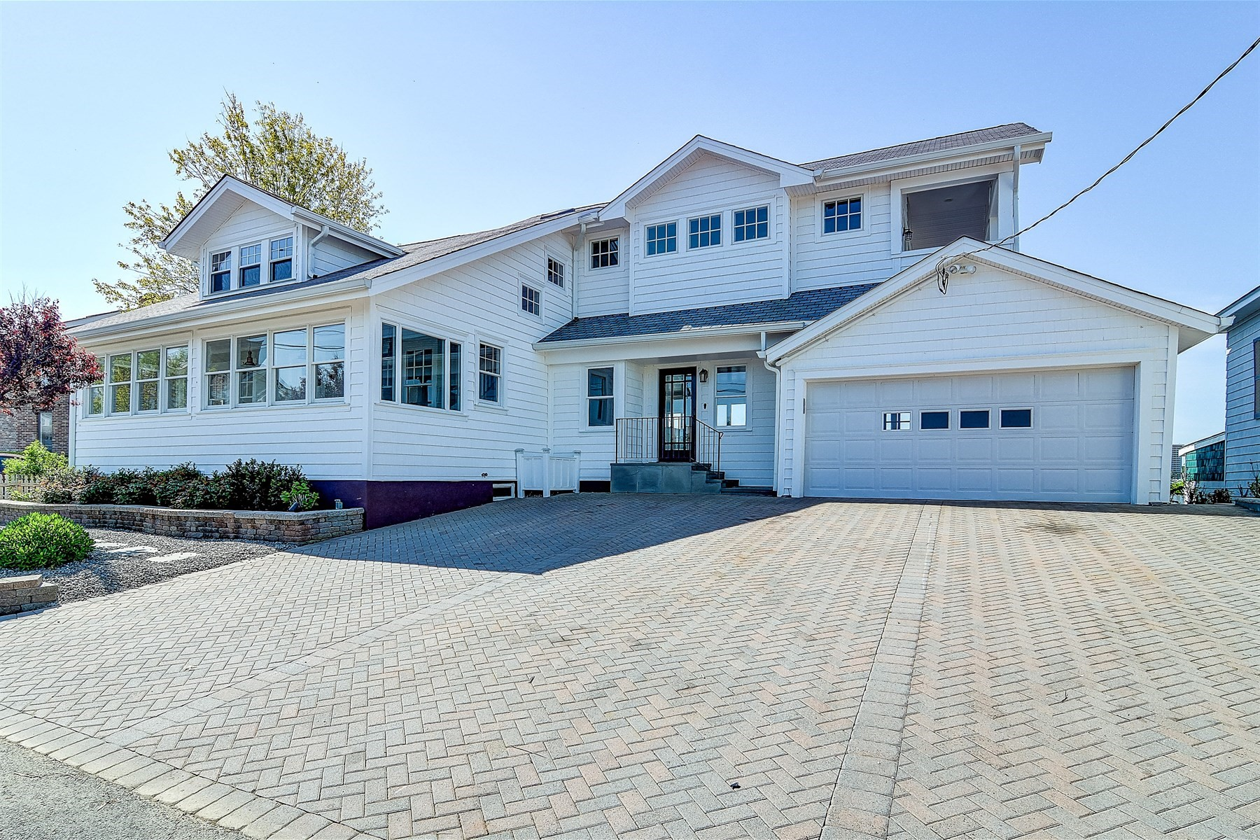 Single Family Home for Sale at 16 Riverview Rd. Monmouth Beach, New Jersey, 07750 United States