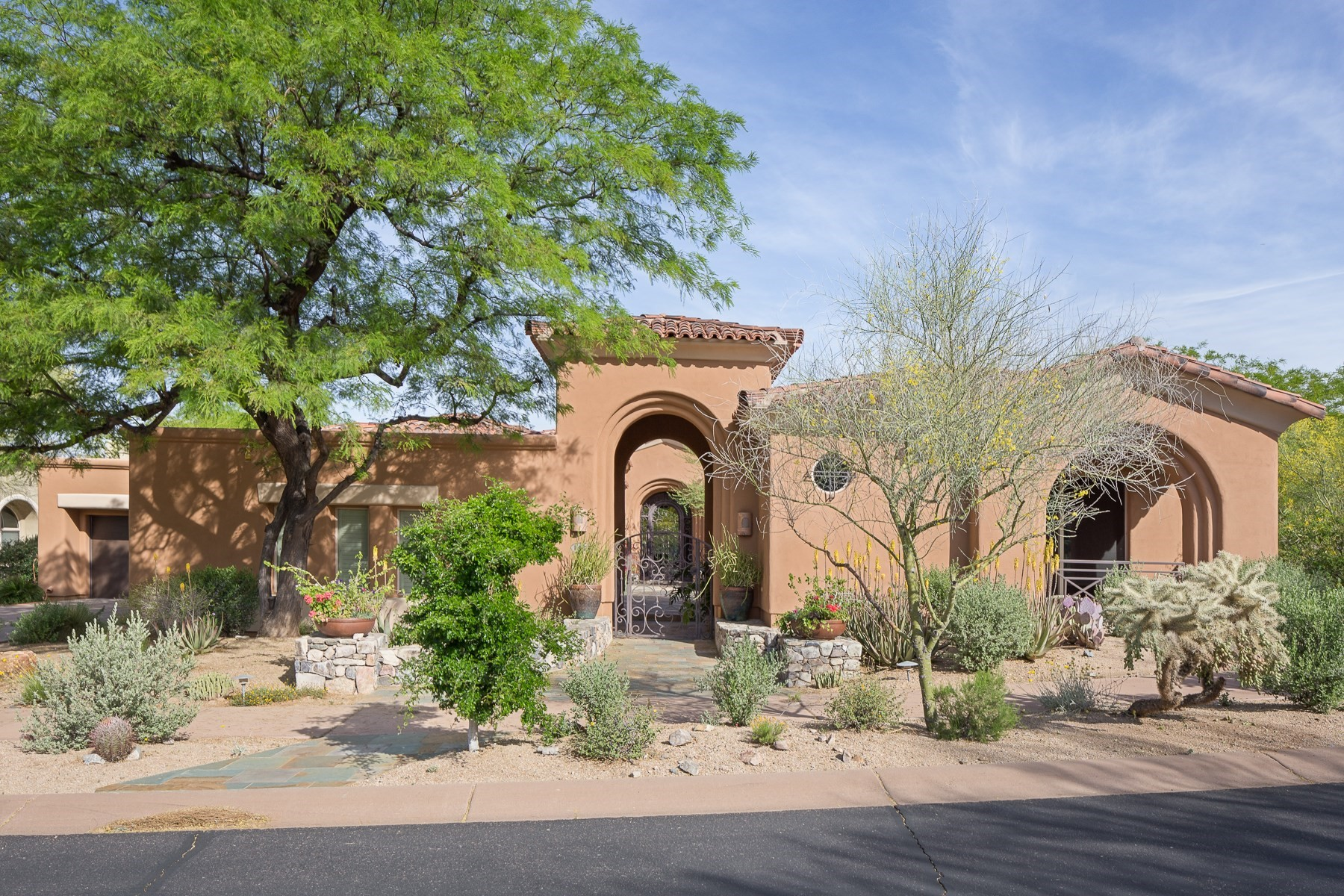 Single Family Home for Sale at Lovely home nestled on the 2nd hole of the DC Ranch Country Club 9290 E THOMPSON PEAK #142 Scottsdale, Arizona, 85255 United States