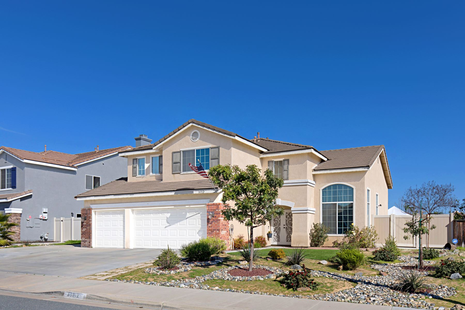 Single Family Homes for Active at 36912 Ranch House Street Murrieta, California 92563 United States