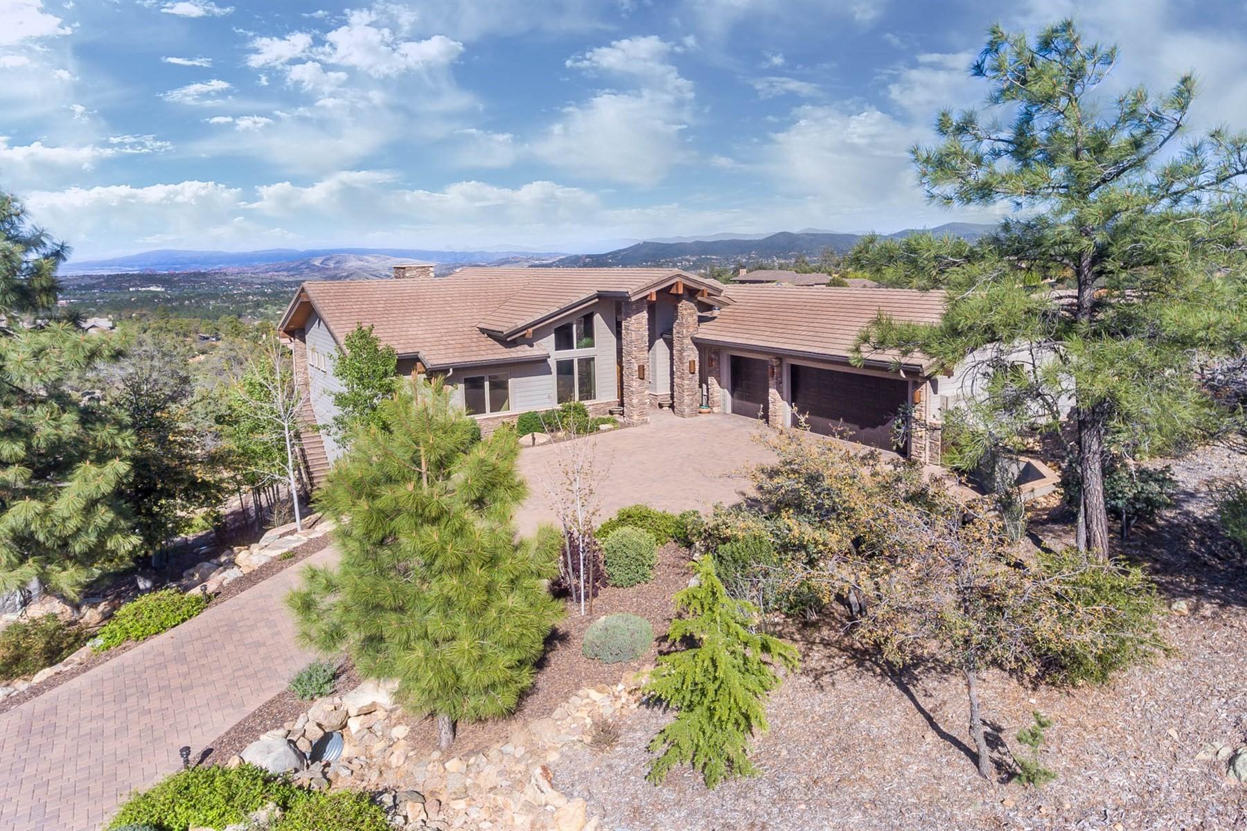 Maison unifamiliale pour l Vente à Custom 2-story home with amazing views 871 Mavrick Mountain Tr Prescott, Arizona, 86303 États-Unis