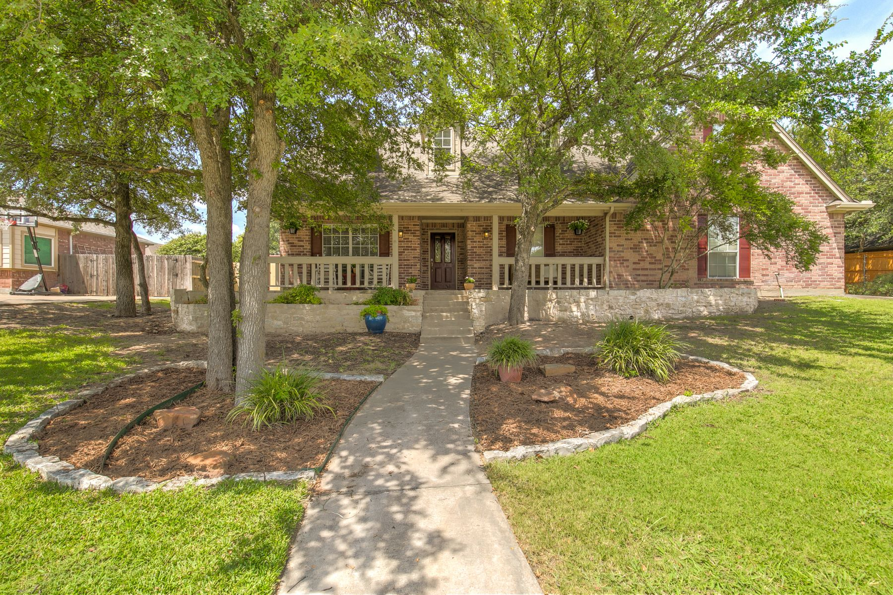 Single Family Homes for Sale at Beautiful, scenic home is located in the heart of Aledo proper 211 Autumnwood Drive Aledo, Texas 76008 United States
