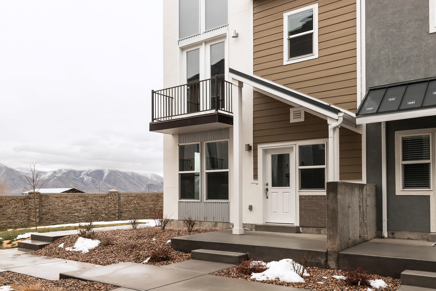 townhouses for Active at Beautiful End-Unit Townhome 902 South 2610 East Spanish Fork, Utah 84660 United States