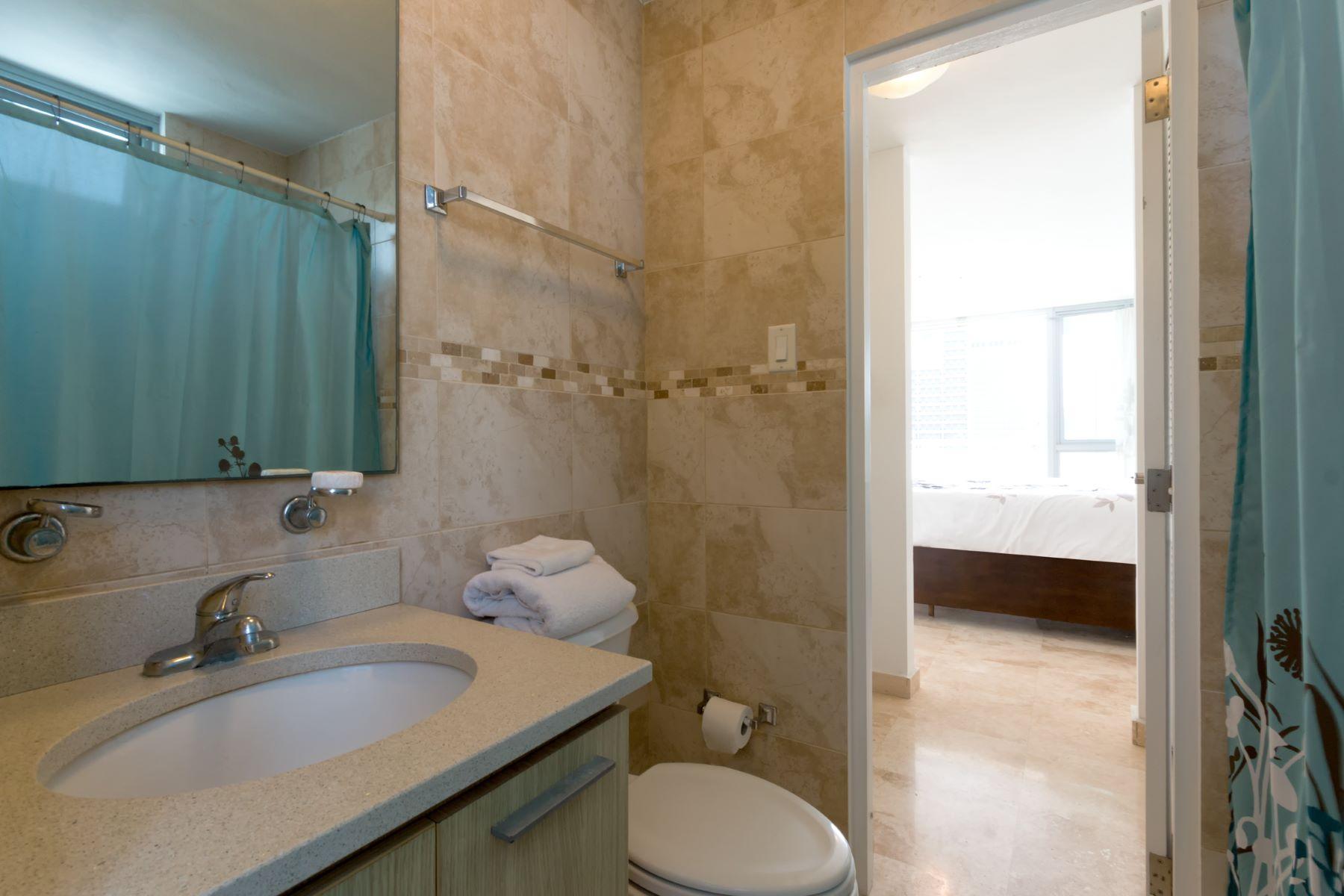 Additional photo for property listing at Costa Condado Penthouse 1420 Wilson Street Apt. 801 San Juan, 00907 Puerto Rico