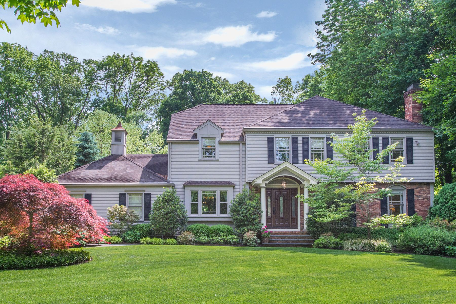 Single Family Homes 용 매매 에 Extraordinary Custom Colonial 7 Easley Terrace, Morris Township, 뉴저지 07960 미국