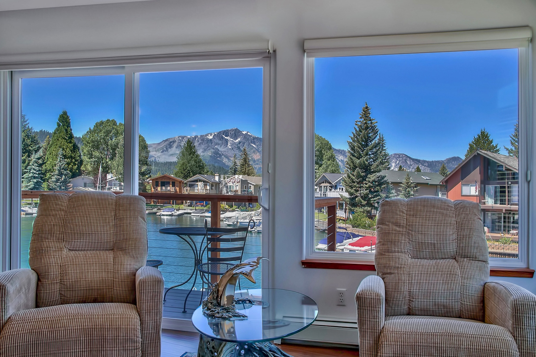 Additional photo for property listing at 408 Christie Drive, South Lake Tahoe CA 96150 408 Christie Drive South Lake Tahoe, California 96150 United States