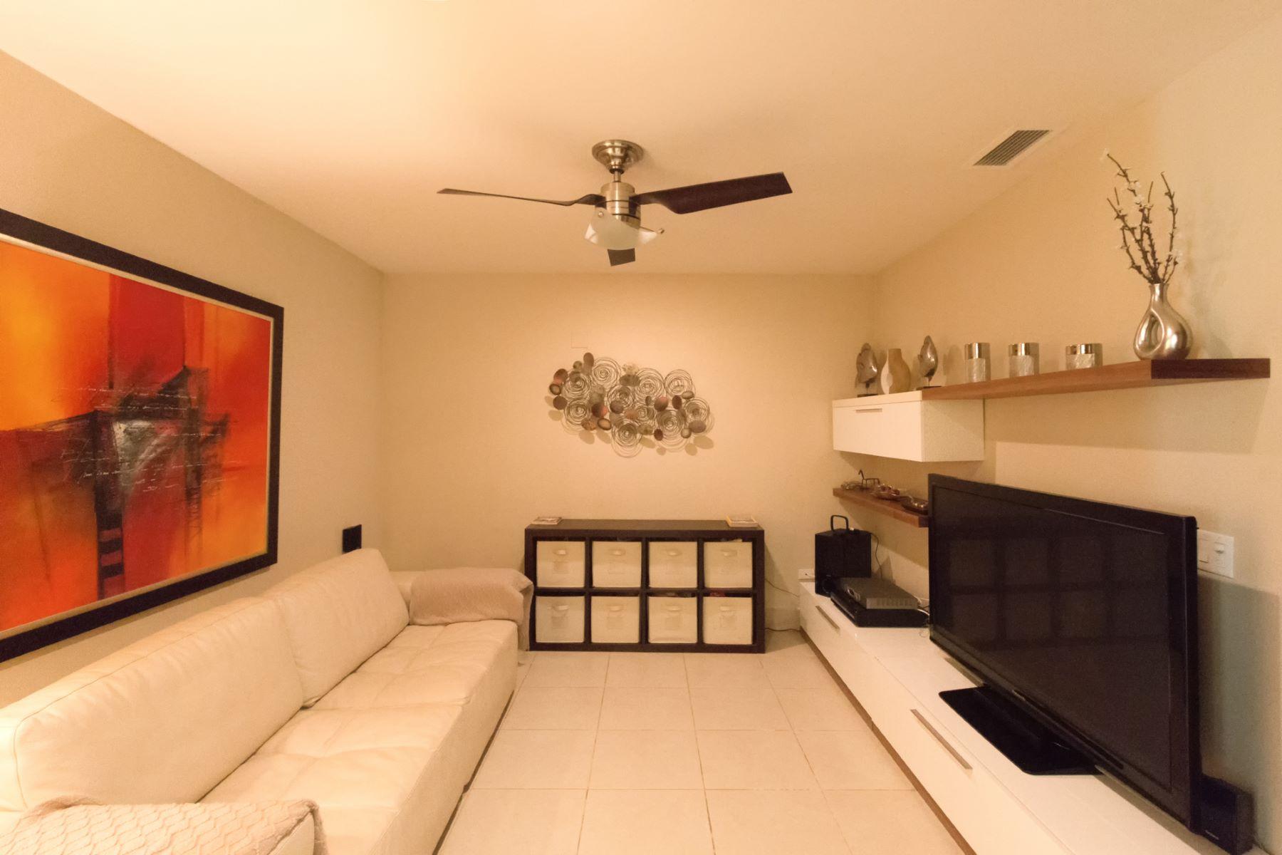Additional photo for property listing at Ground Level Lakefront Villa 1102 Las Verandas Bahia Beach, 00745 Puerto Rico