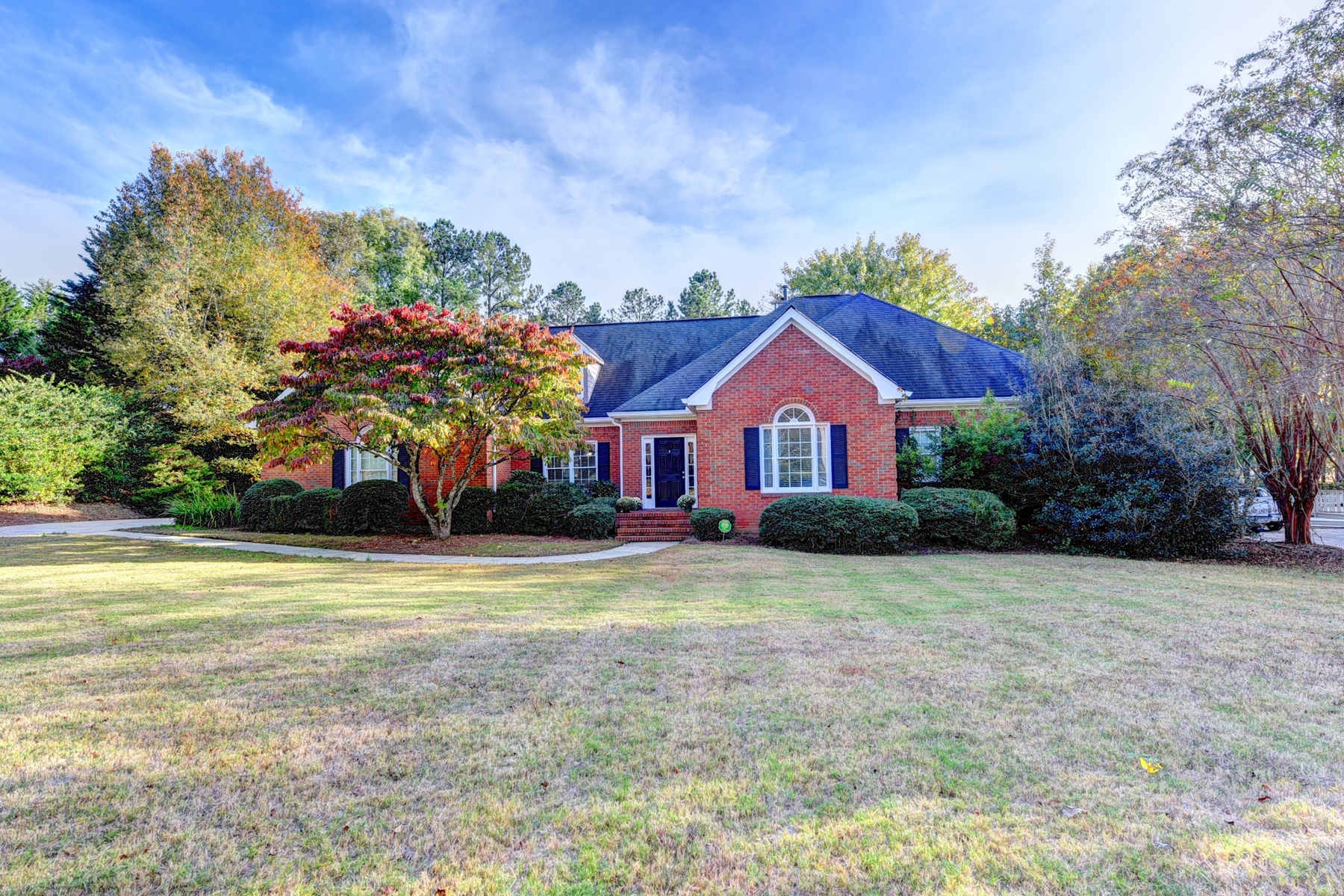 Single Family Home for Sale at The Best Of Everything At An Amazing Price 440 Clubfield Dr Roswell, Georgia 30075 United States