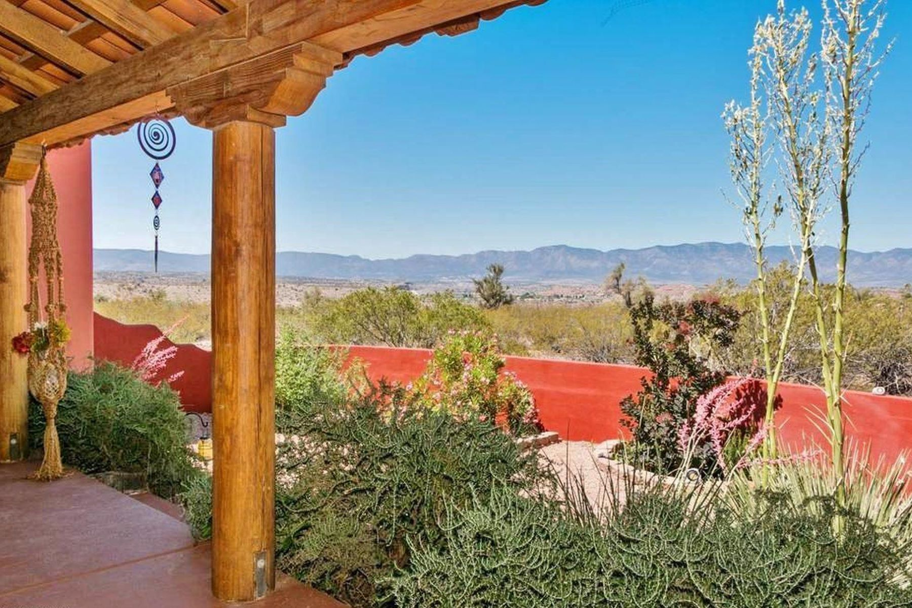 Single Family Homes for Sale at Beautiful Southwest Style Home 1625 S Koch Ranch Rd Cornville, Arizona 86325 United States