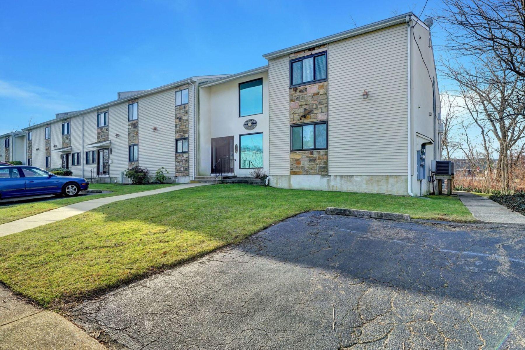 Condominiums για την Πώληση στο Charming Condo in Downtown Manasquan 115-1 Curtis, Manasquan, Νιου Τζερσεϋ 08736 Ηνωμένες Πολιτείες