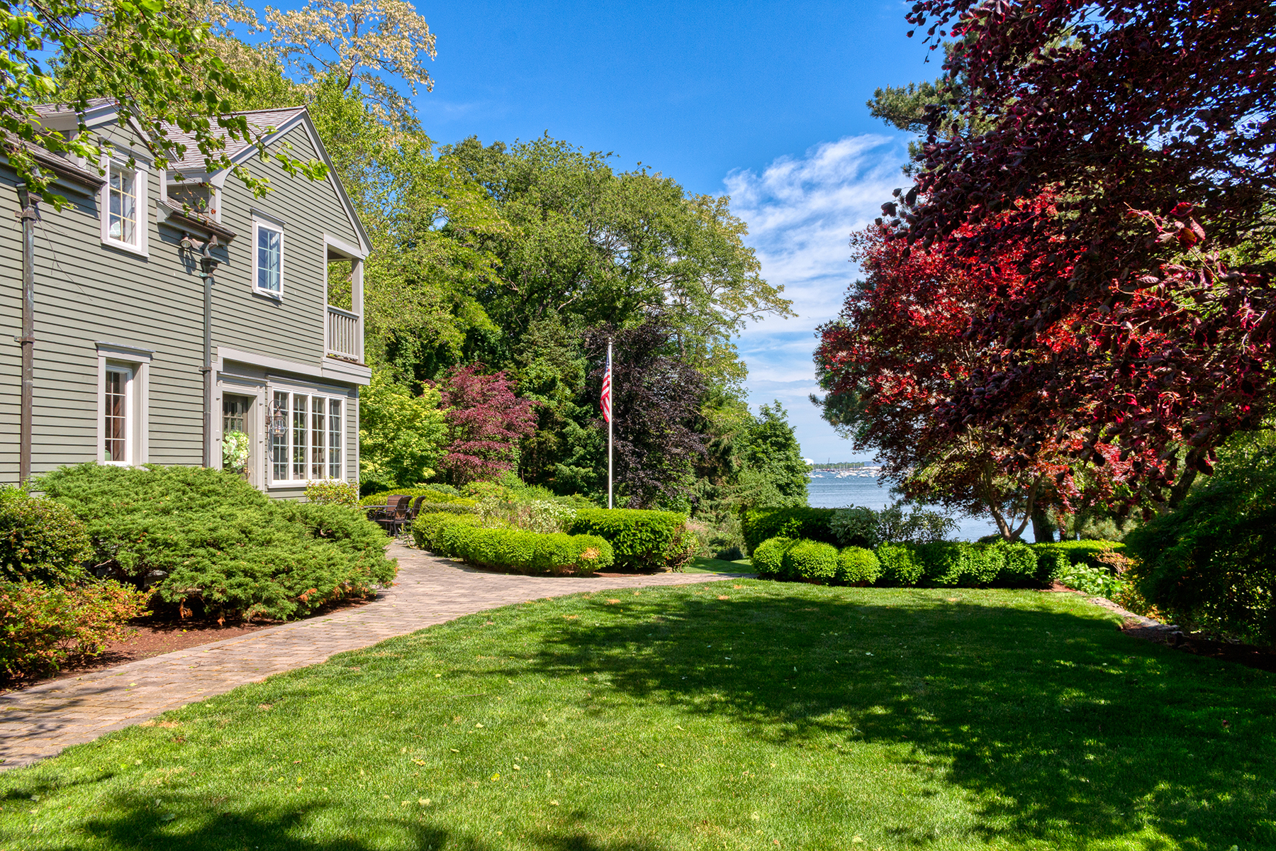 Single Family Homes por un Venta en Marblehead's Most Admired Home 36 Shorewood Road Marblehead, Massachusetts 01945 Estados Unidos