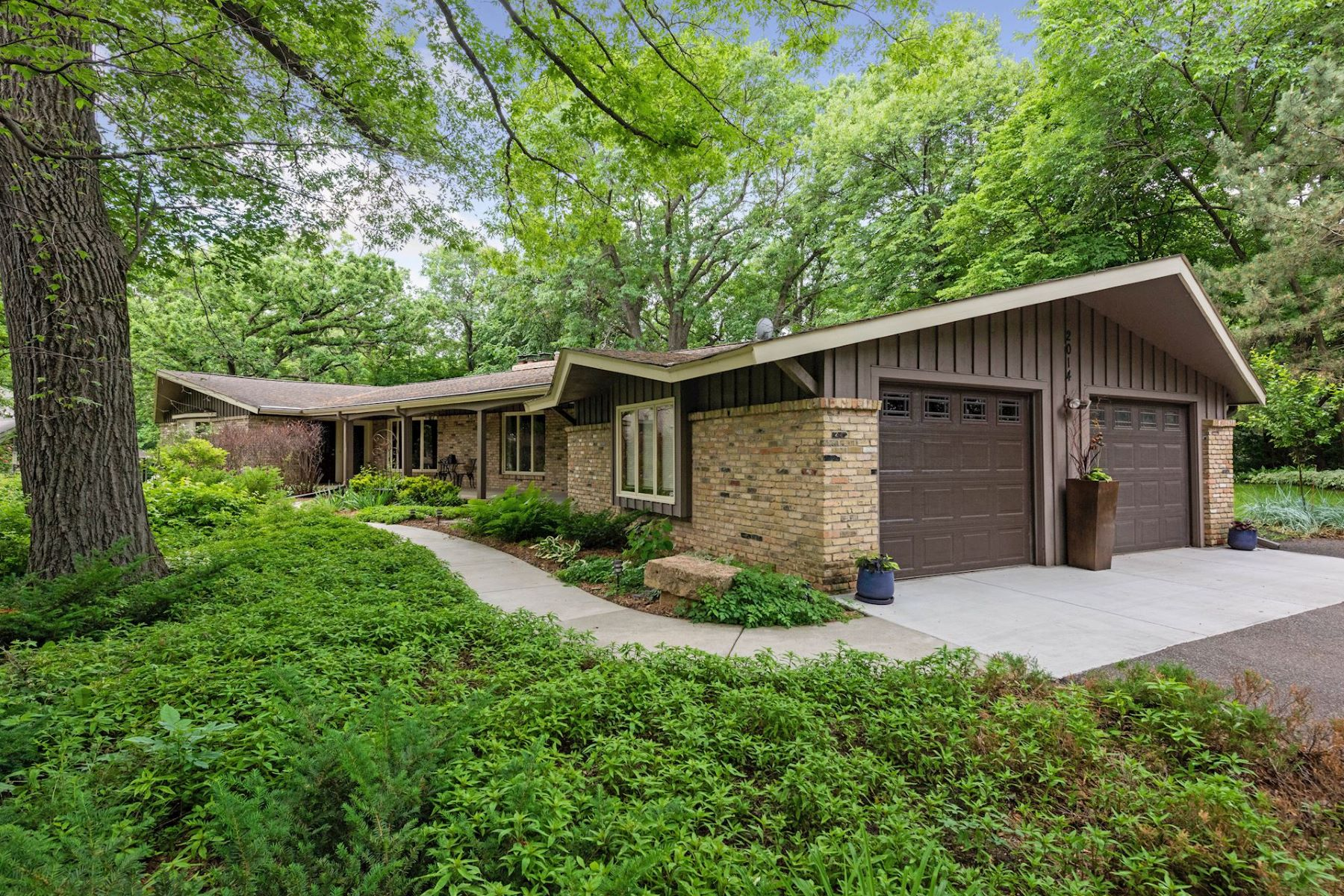 Single Family Homes for Sale at 2014 Oakland Road Minnetonka, Minnesota 55305 United States