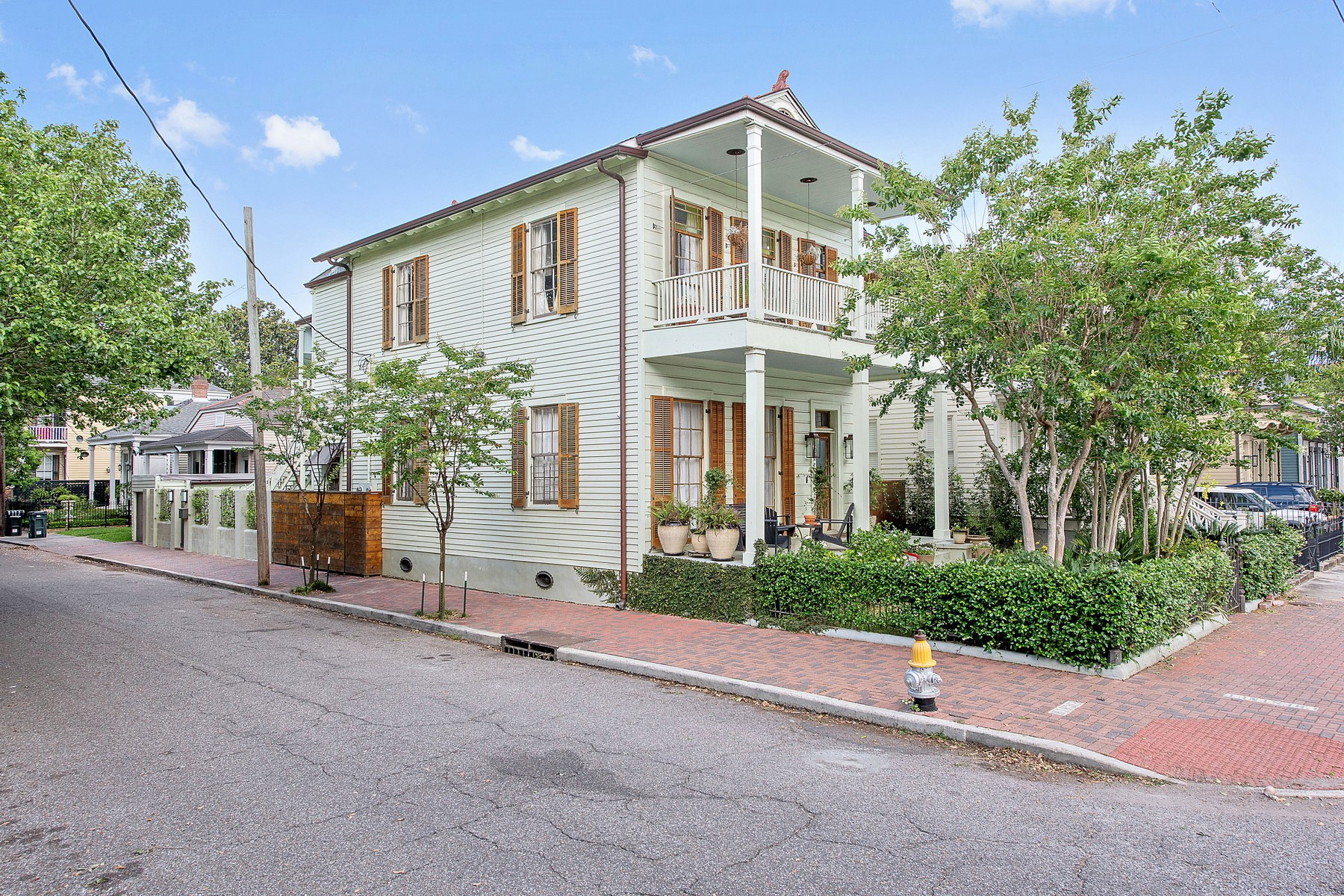 Single Family Home for Sale at 1302 8th Street, New Orleans Garden District, New Orleans, Louisiana, 70115 United States