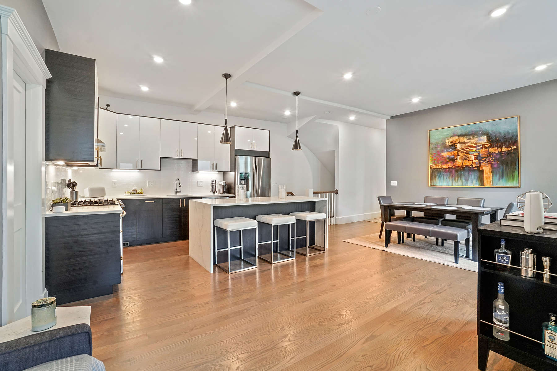 Condominiums for Sale at 20 Lincoln Street, Unit 1 20 Lincoln St 1 Somerville, Massachusetts 02145 United States