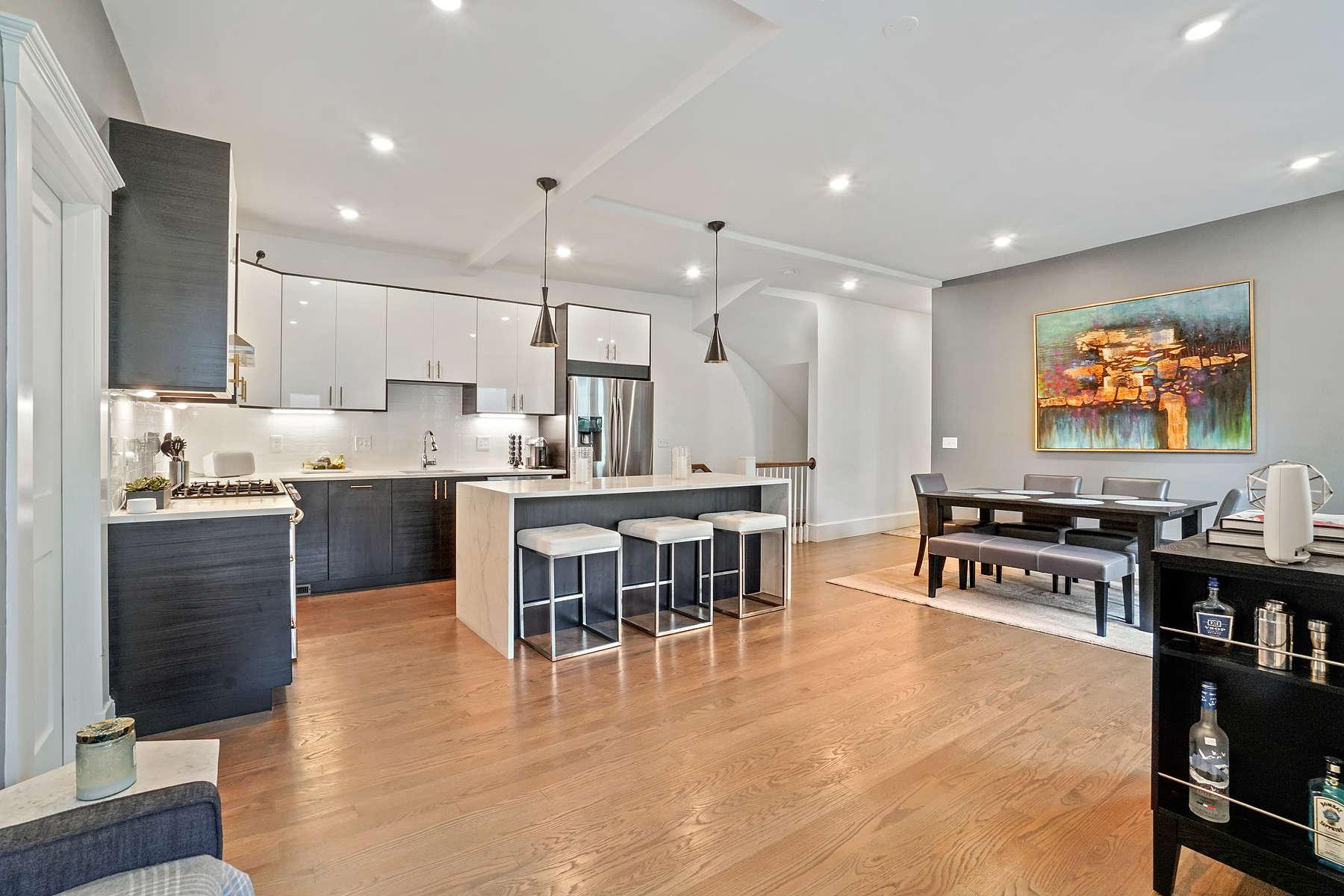 Condominiums pour l Vente à 20 Lincoln Street, Unit 1 20 Lincoln Street - Unit 1 Somerville, Massachusetts 02145 États-Unis