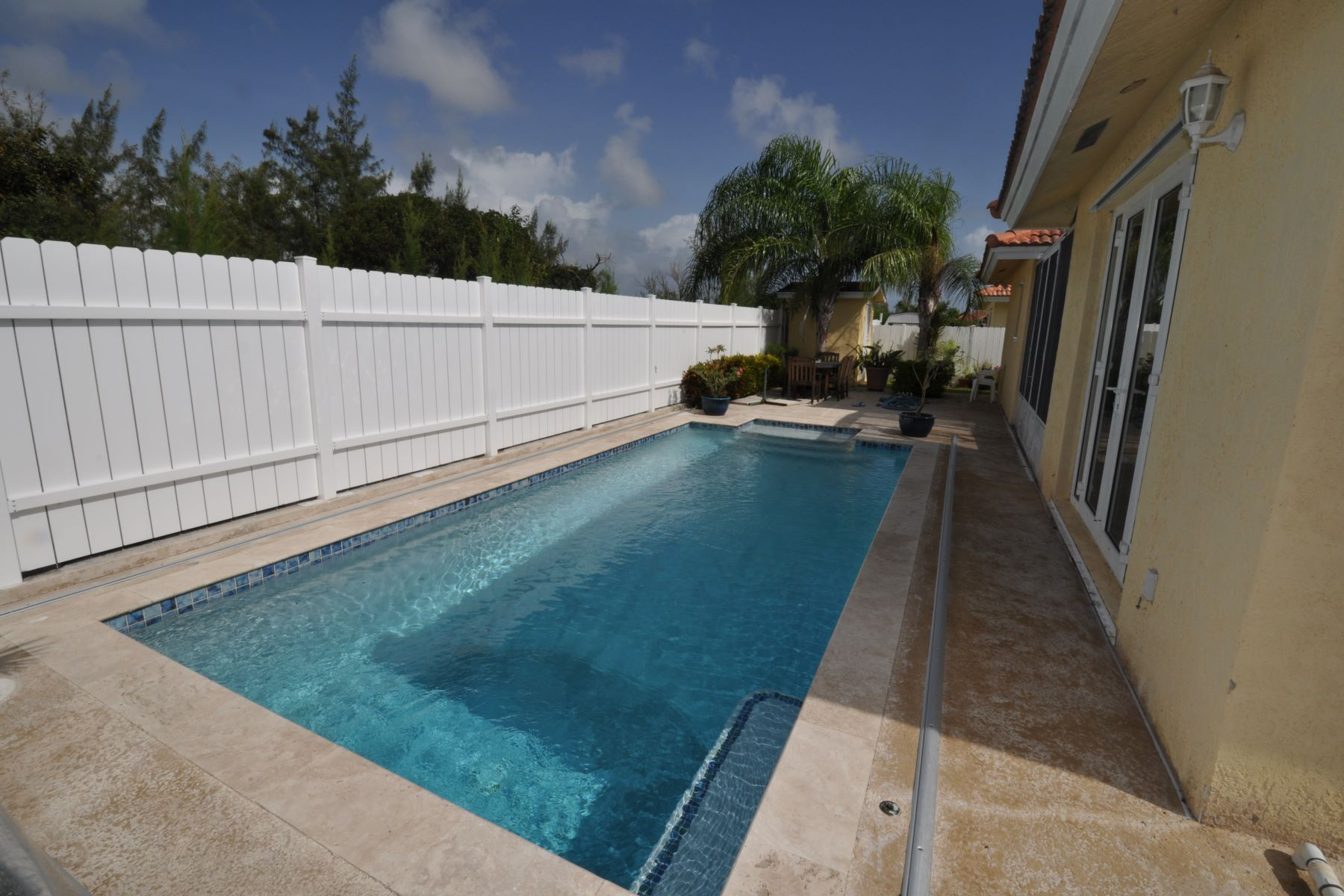 Additional photo for property listing at Treasure Cove House with Pool #157 Treasure Cove, Yamacraw, Nueva Providencia / Nassau Bahamas