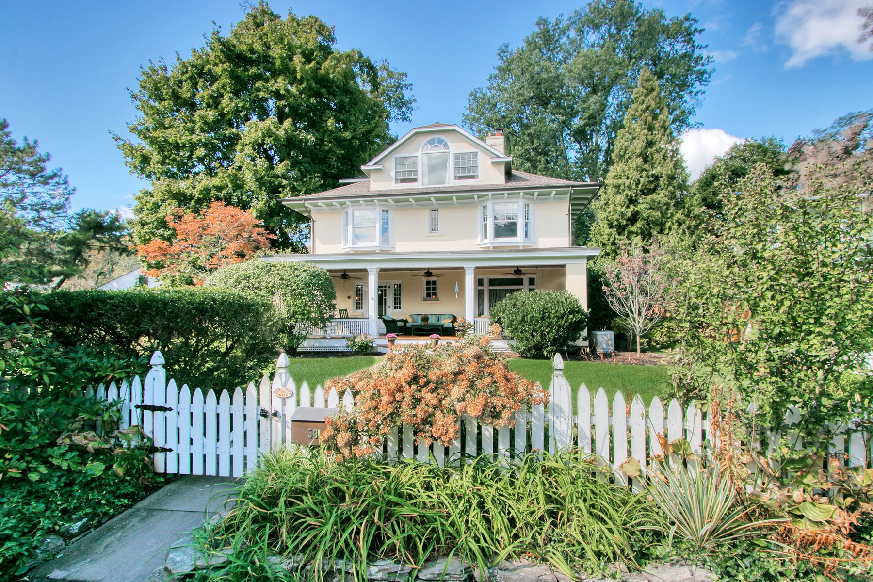 Single Family Homes for Sale at Extraordinary Circa 1905 Colonial 53 Glen Byron Ave Nyack, New York 10960 United States