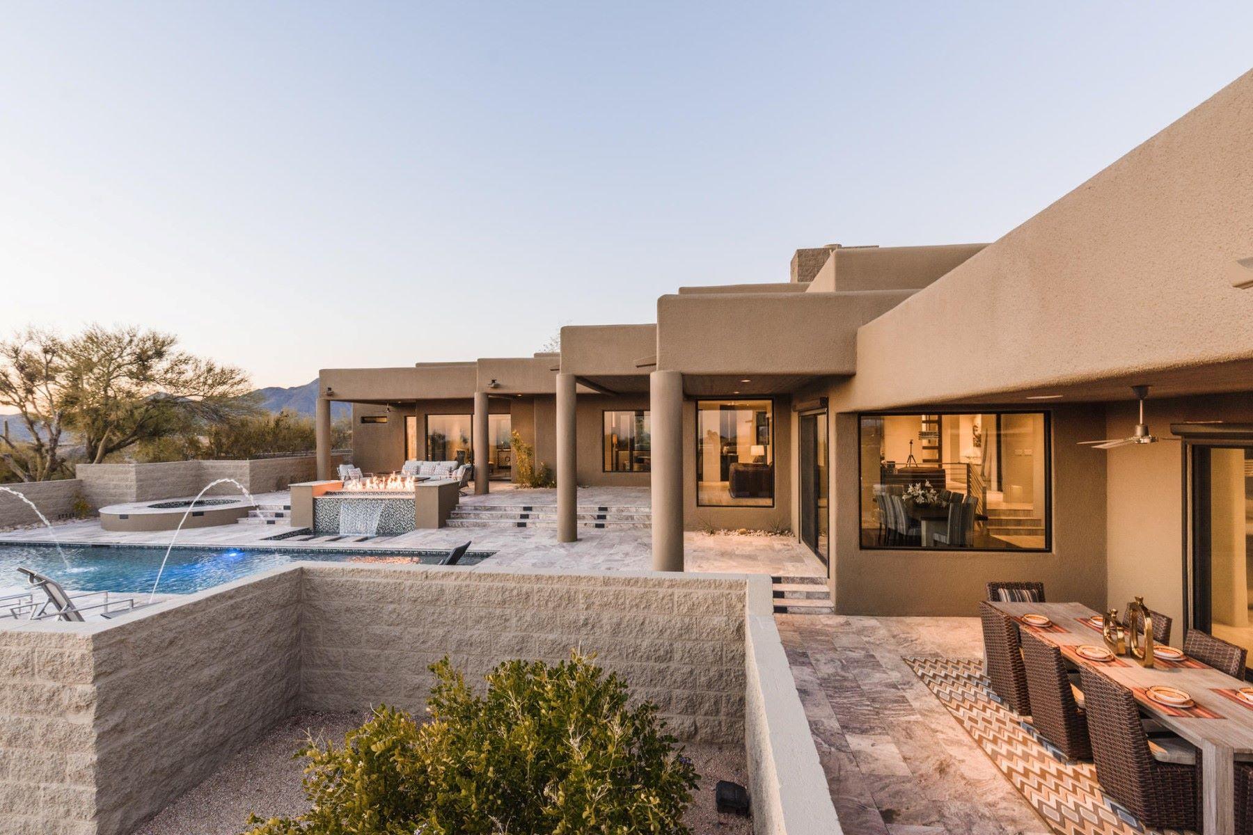 واحد منزل الأسرة للـ Sale في Exquisite Contemporary Remodel in Desert Mountain 10400 E Rising Sun Dr, Scottsdale, Arizona, 85262 United States