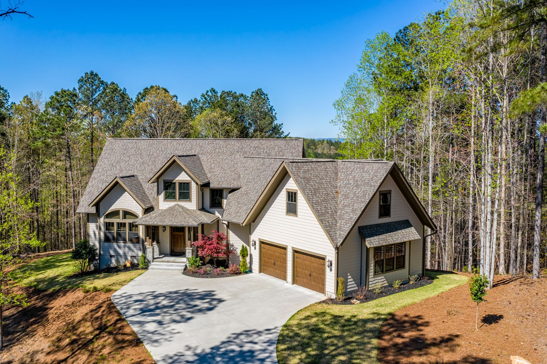 Single Family Homes for Active at Enchanting Woodland Setting 105 Scenic Crest Way Six Mile, South Carolina 29682 United States