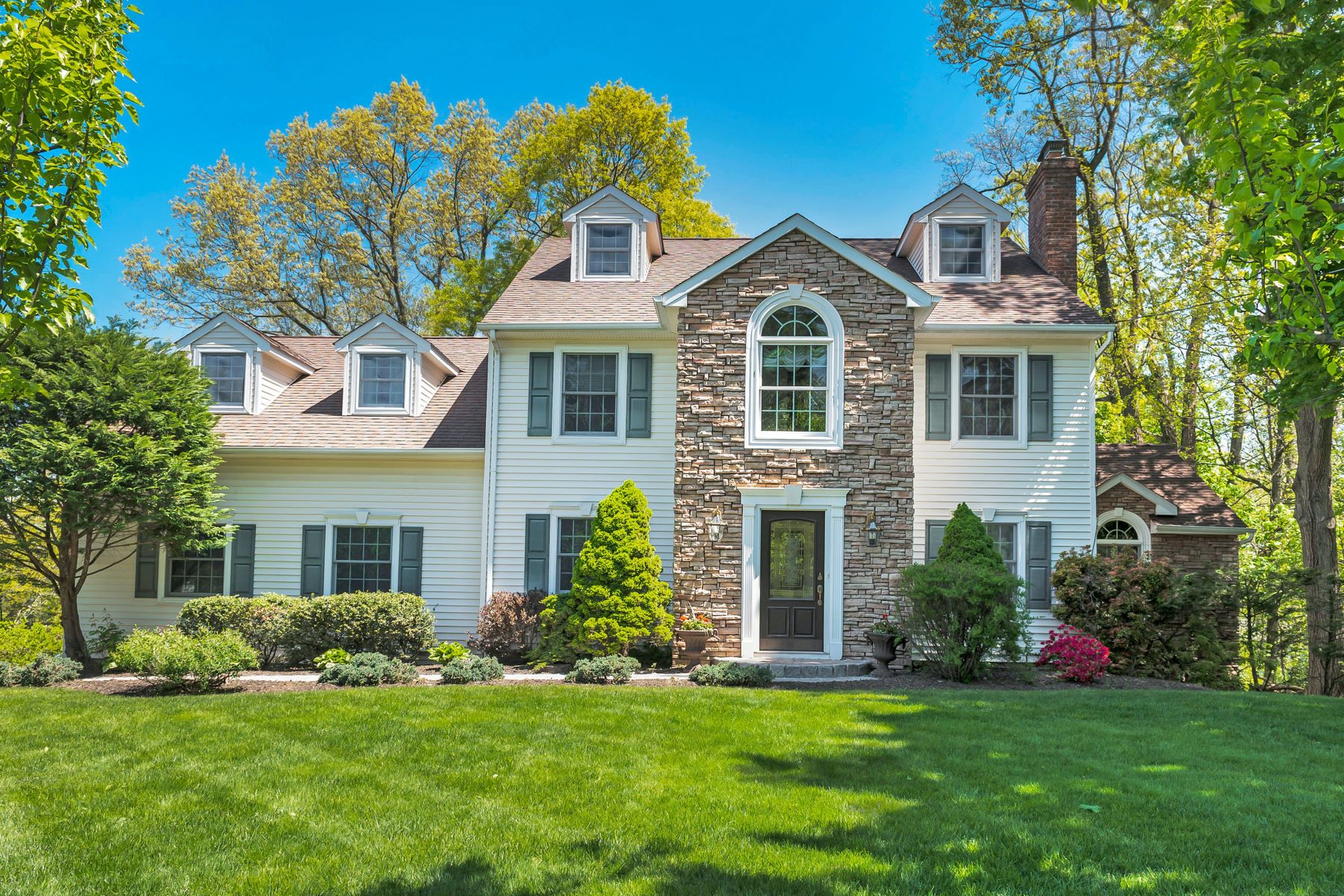 Single Family Homes for Sale at Stunning Colonial 48 Pine Street Chatham Township, New Jersey 07928 United States