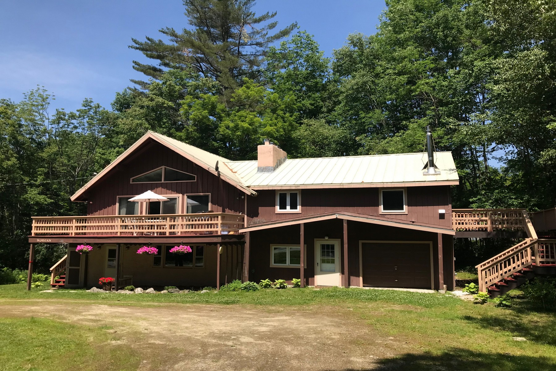 Single Family Homes for Sale at 1161 Little Pond Road 1121/1161, Londonderry 1161 Little Pond Rd 1121/1161 Londonderry, Vermont 05148 United States