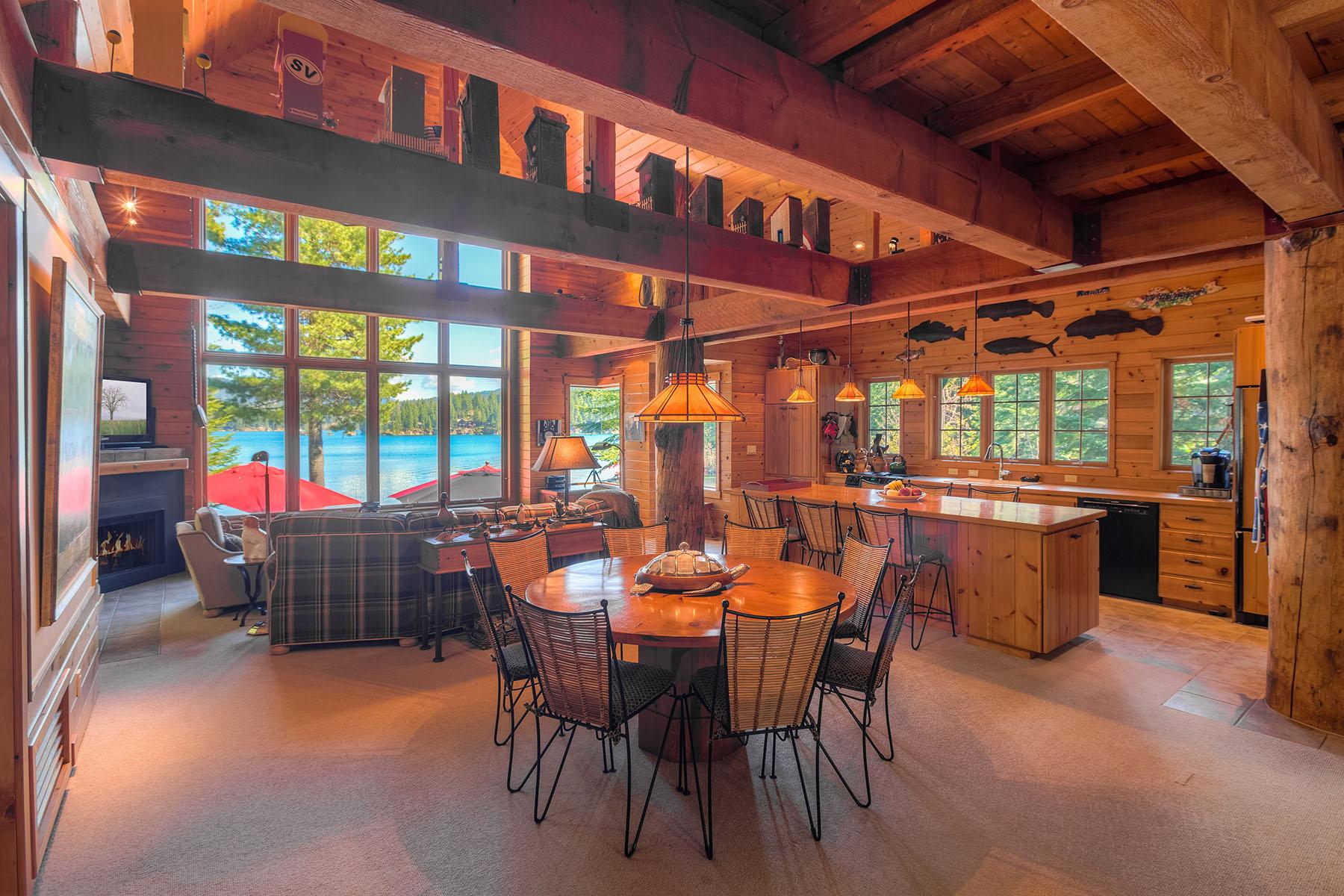Casa para uma família para Venda às Multi-Generational Lakefront Estate 7817 E Ripple Rd Hayden, Idaho, 83835 Estados Unidos