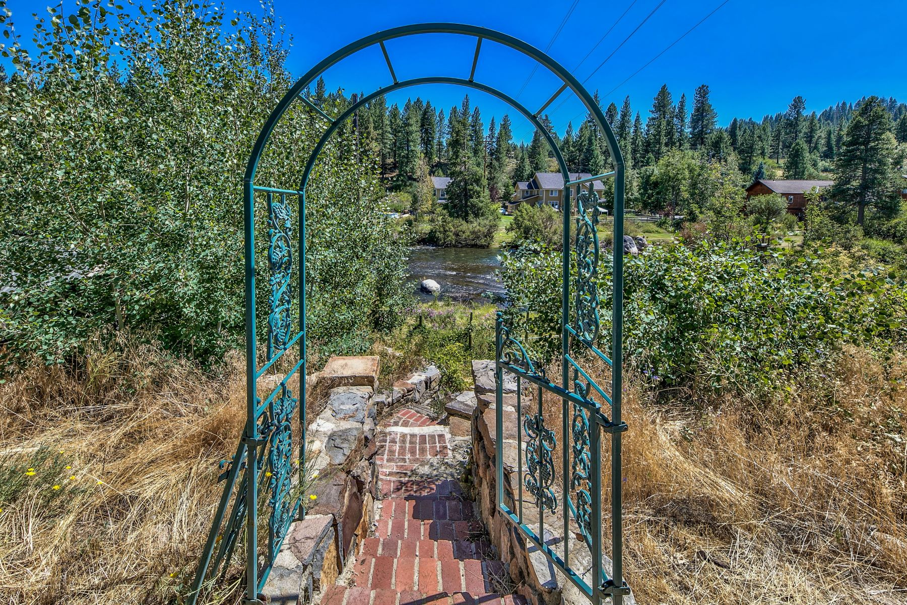 Additional photo for property listing at Riverfront in Downtown Truckee 10201 E River Street Truckee, California 96161 United States