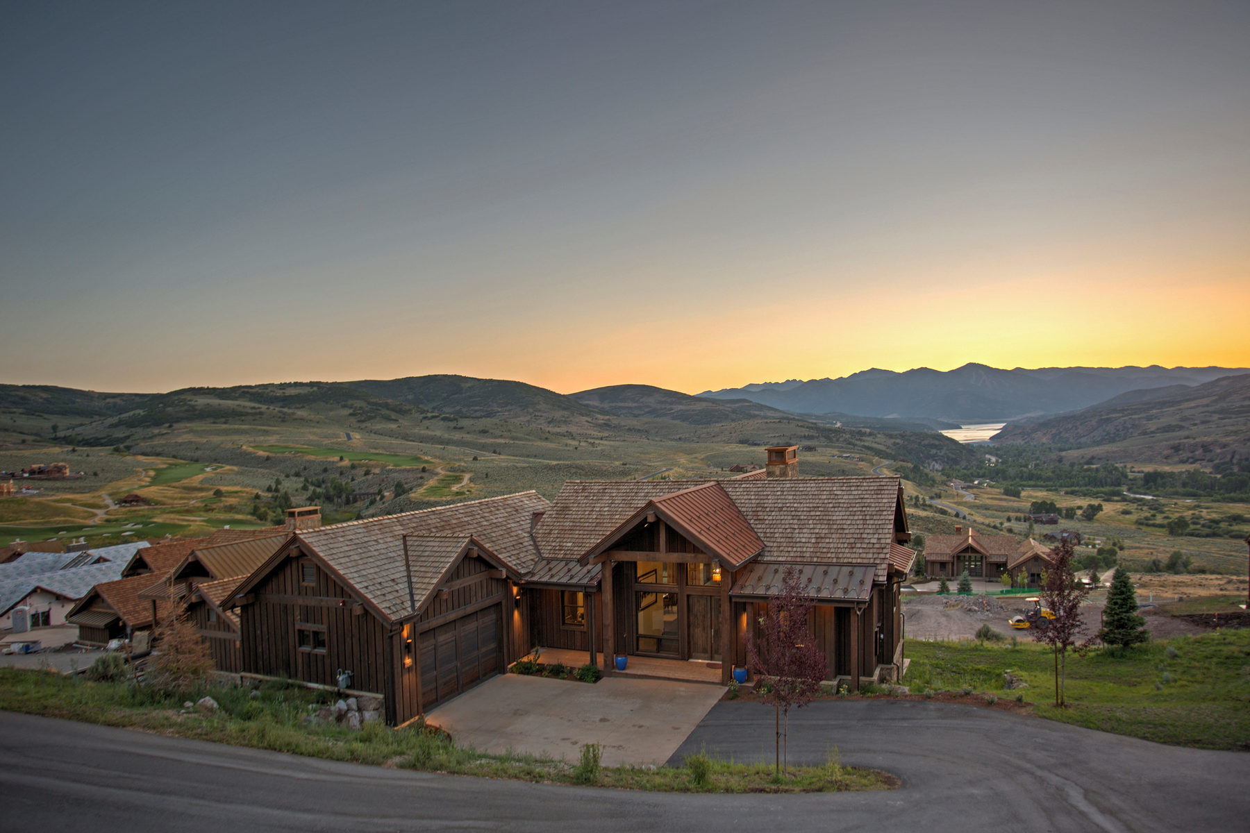 Additional photo for property listing at Juniper Cabin with Spectacular Views 6985 N Rees Jones Way #166 Heber City, Utah 84032 United States