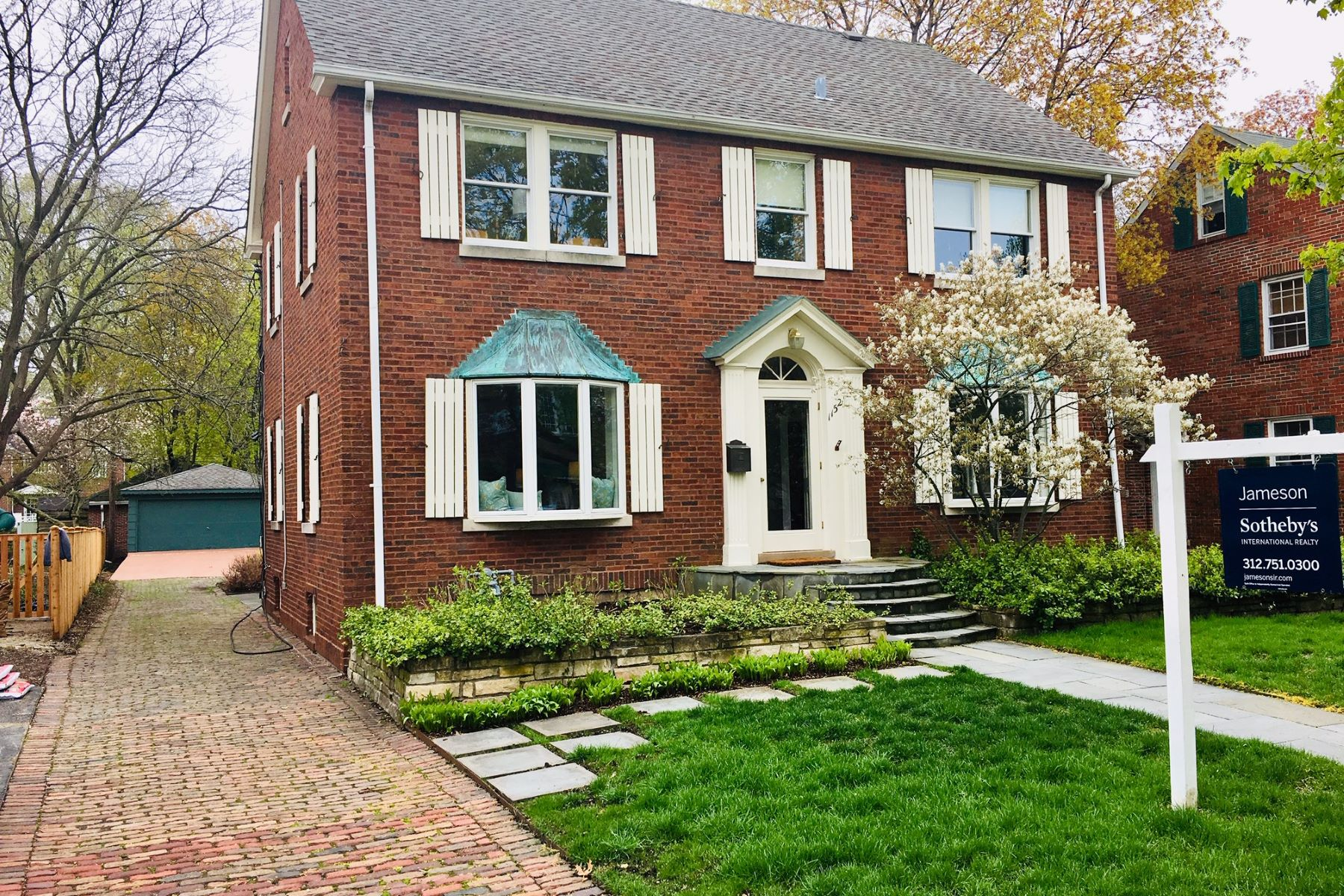Single Family Home for Sale at Exquisite Red Brick Colonial 1152 Oak Street Winnetka, Illinois 60093 United States