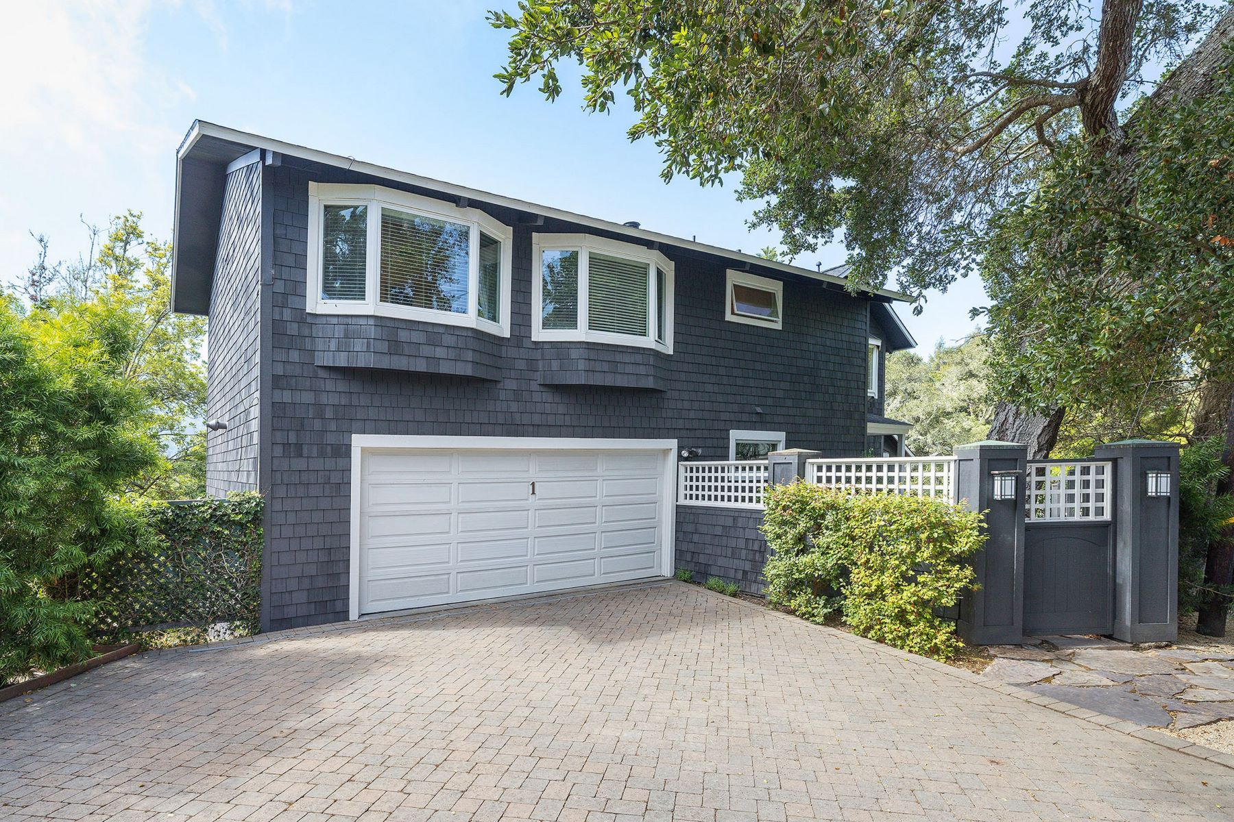 Single Family Homes のために 売買 アット First Time on the Market in Almost 33 Years! 1 Heuters Lane, Mill Valley, カリフォルニア 94941 アメリカ