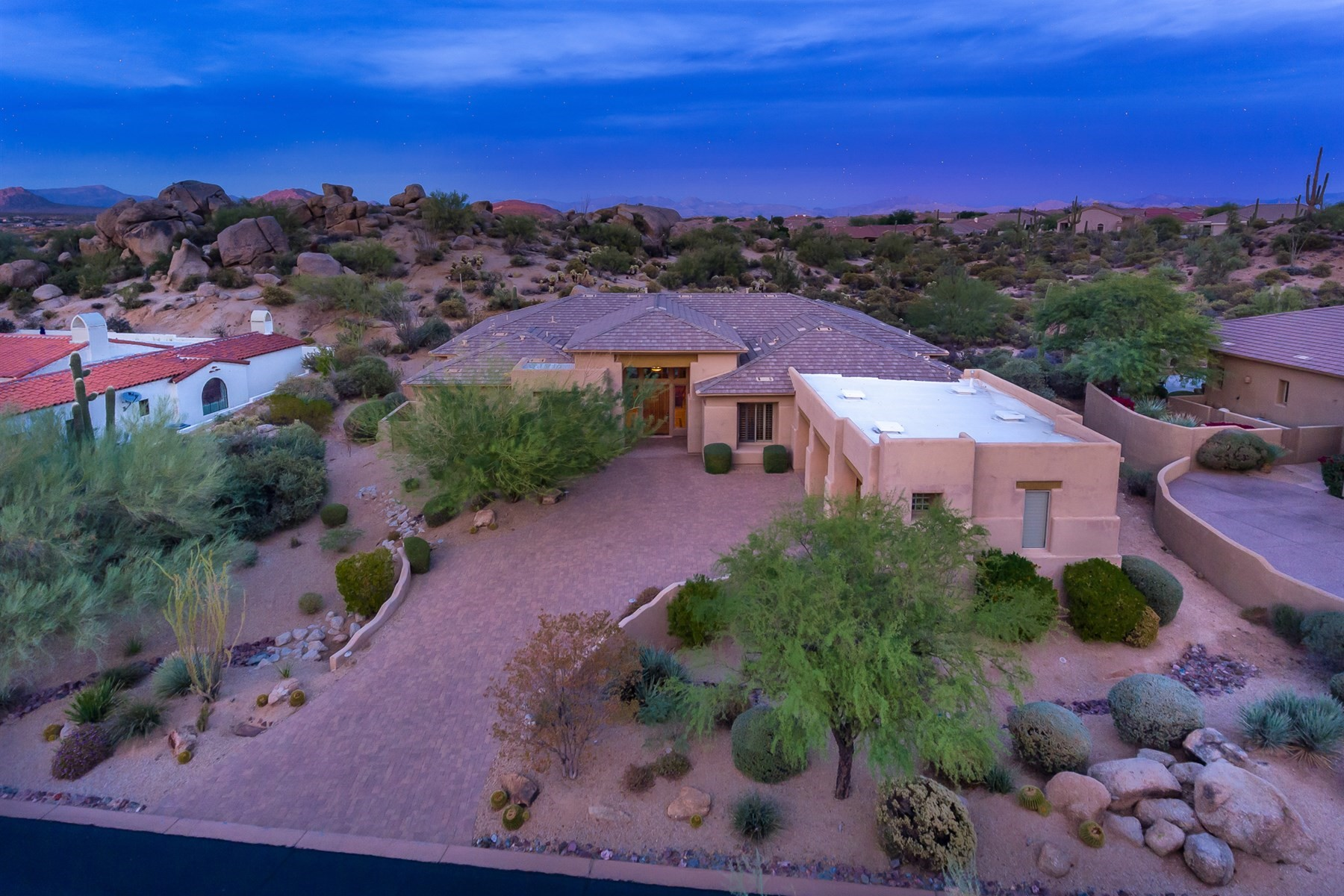 一戸建て のために 売買 アット Pristine Custom Home in guard-gated Troon Village 11422 E Desert Troon Ln, Scottsdale, アリゾナ, 85255 アメリカ合衆国
