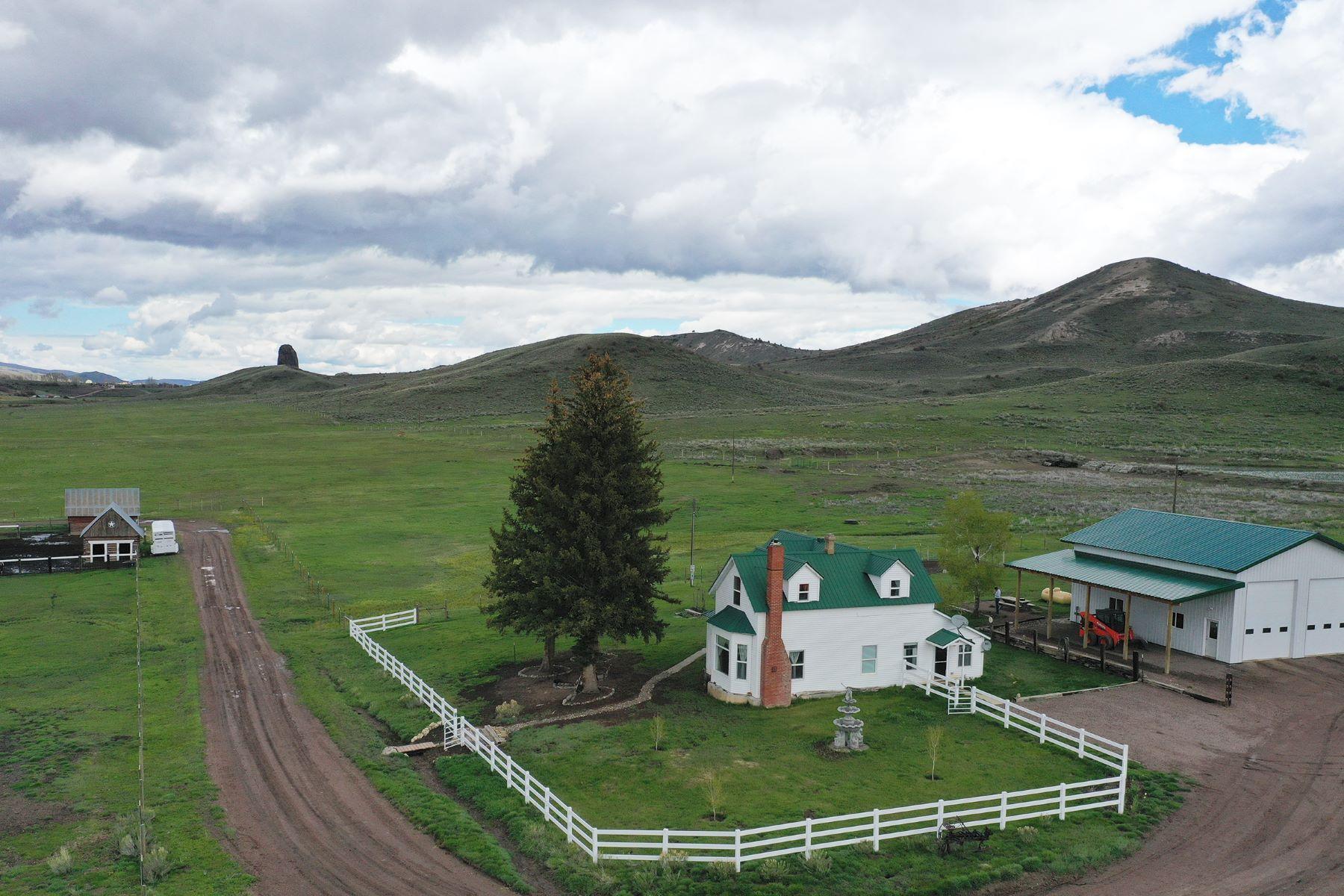 Ferme / Ranch / Plantation pour l Vente à White Hawk Ranch 13400 HWY 131, Yampa, Colorado 80483 États-Unis