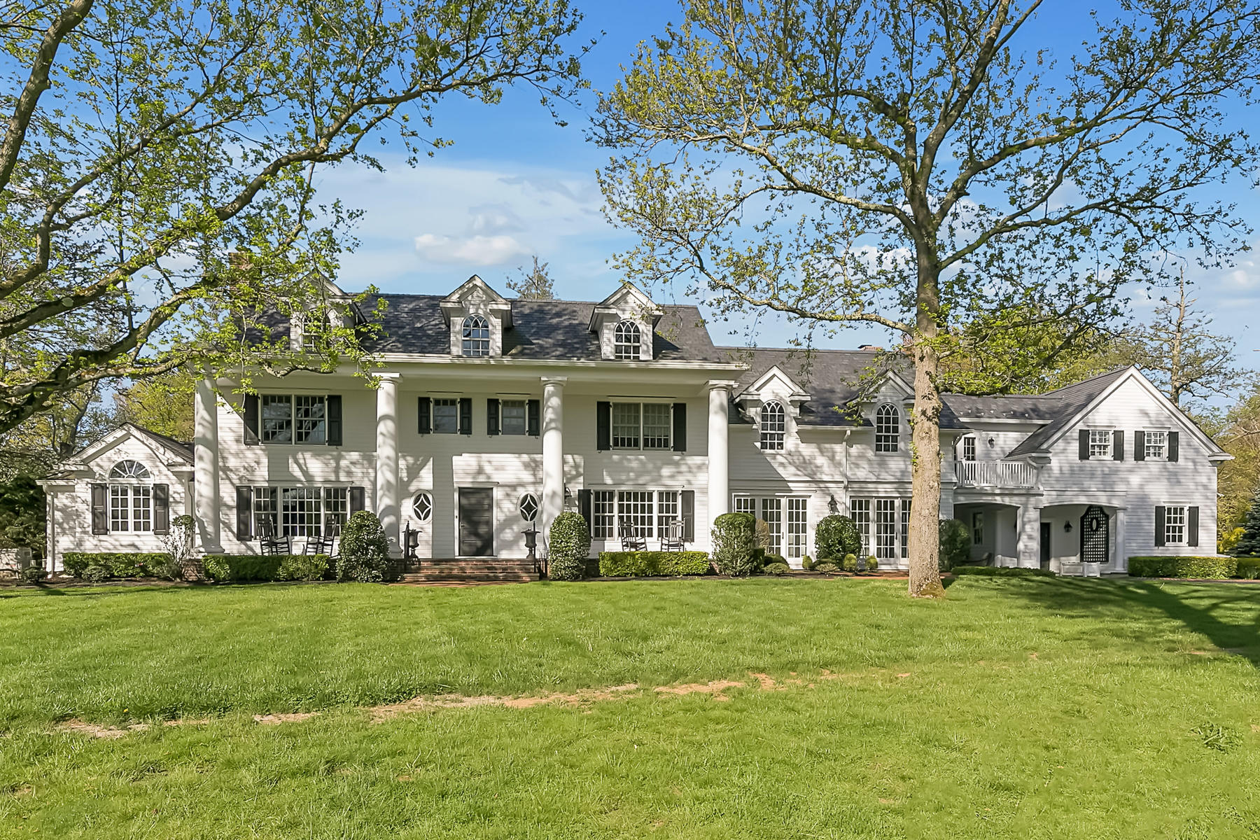 Single Family Homes for Sale at Stunning custom colonial in an amazing setting and location 4 Broadmoor Dr Rumson, New Jersey 07760 United States