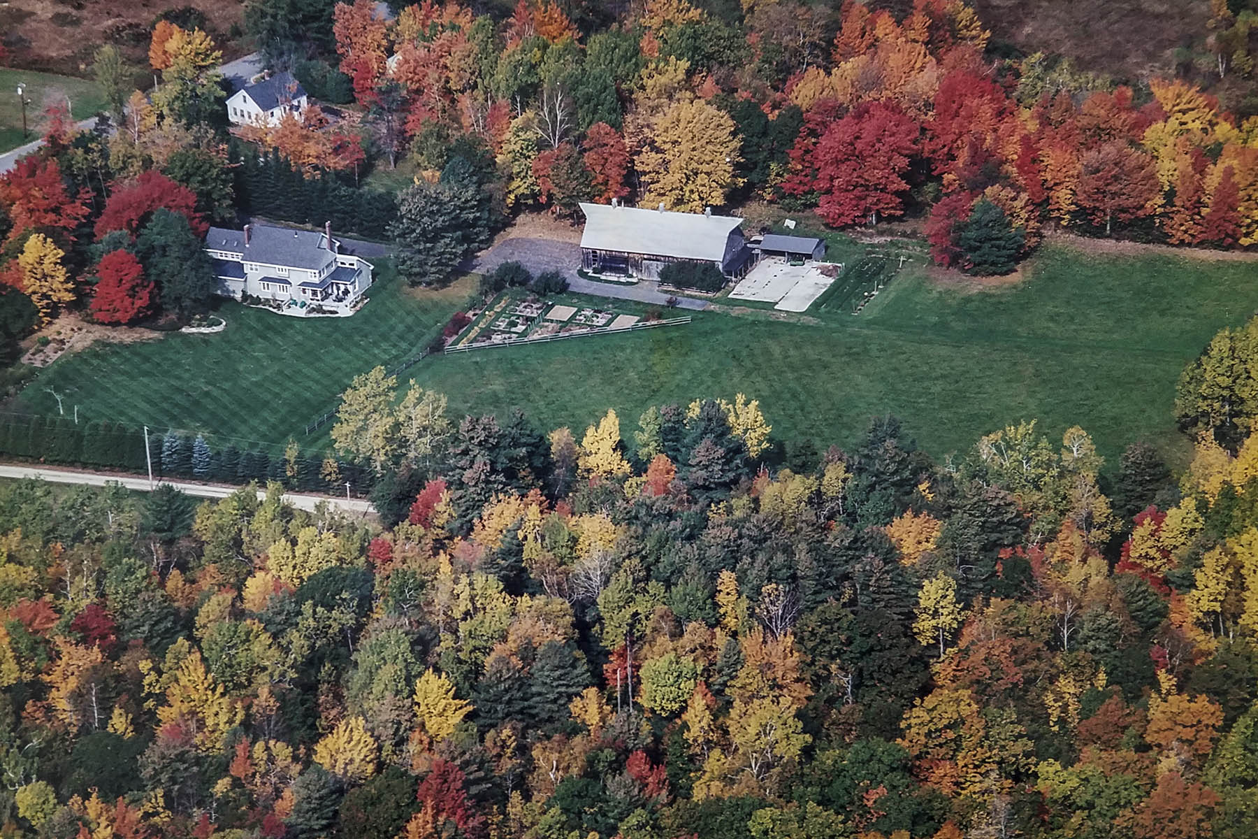 独户住宅 为 销售 在 251 Woodside Road 布伦瑞克, 缅因州, 04011 美国