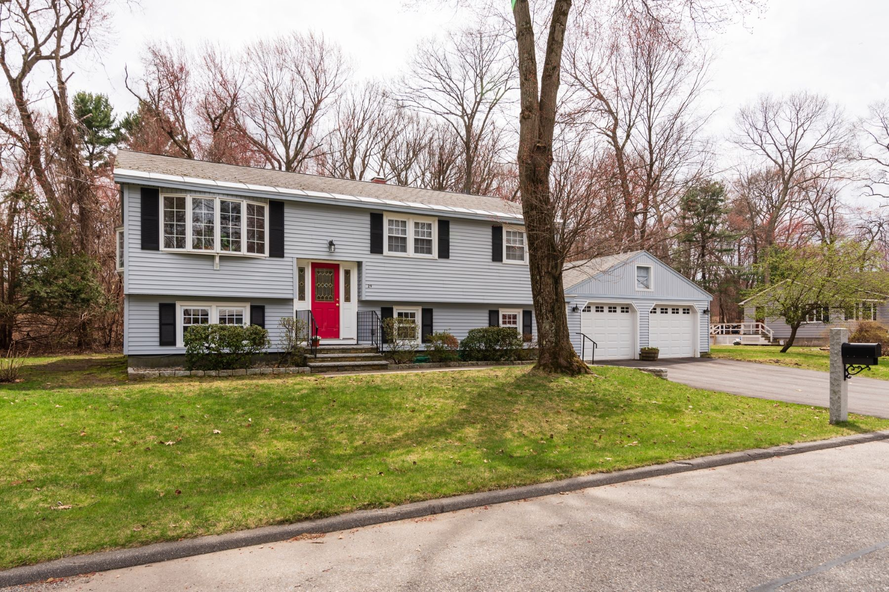 Single Family Home for Active at 29 Glad Valley Drive, Billerica 29 Glad Valley Dr Billerica, Massachusetts 01821 United States