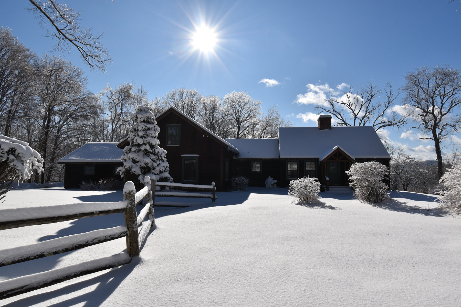 Single Family Homes for Sale at South Hill Homestead 210 South Hill Pittsford, Vermont 05763 United States