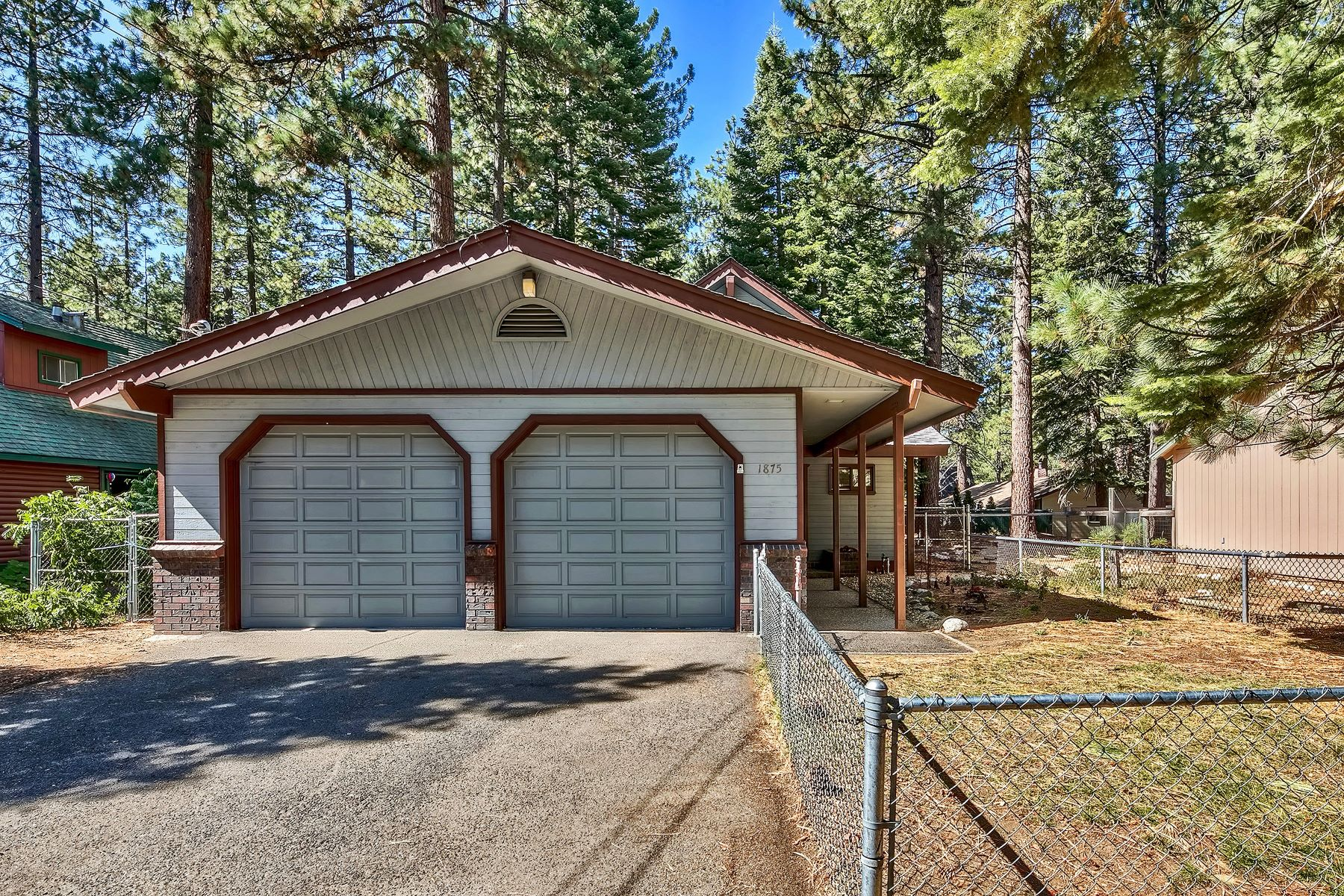 Single Family Homes for Active at 1875 13th St,South Lake Tahoe, CA 96150 1875 13th Street South Lake Tahoe, California 91711 United States