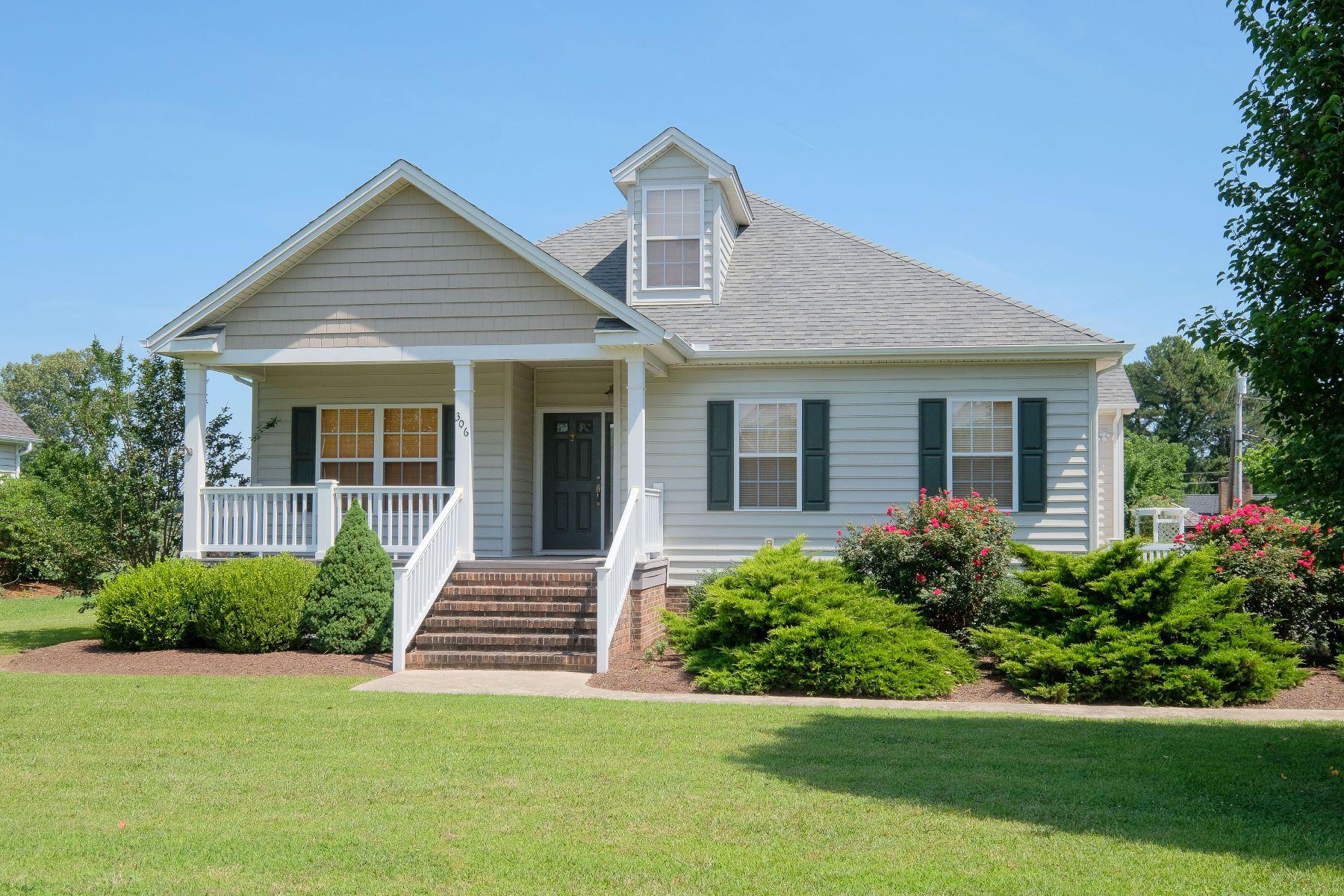 独户住宅 为 销售 在 MOVE IN READY 306 Robin Lane, 登顿, 北卡罗来纳州, 27932 美国
