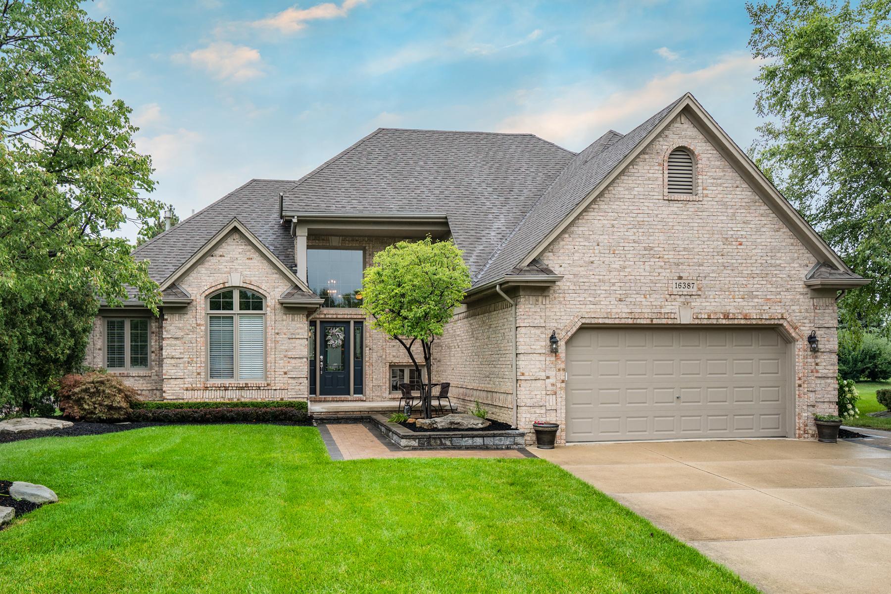 独户住宅 为 销售 在 Macomb Township 16387 Applewood Court, Macomb Township, 密歇根州, 48042 美国