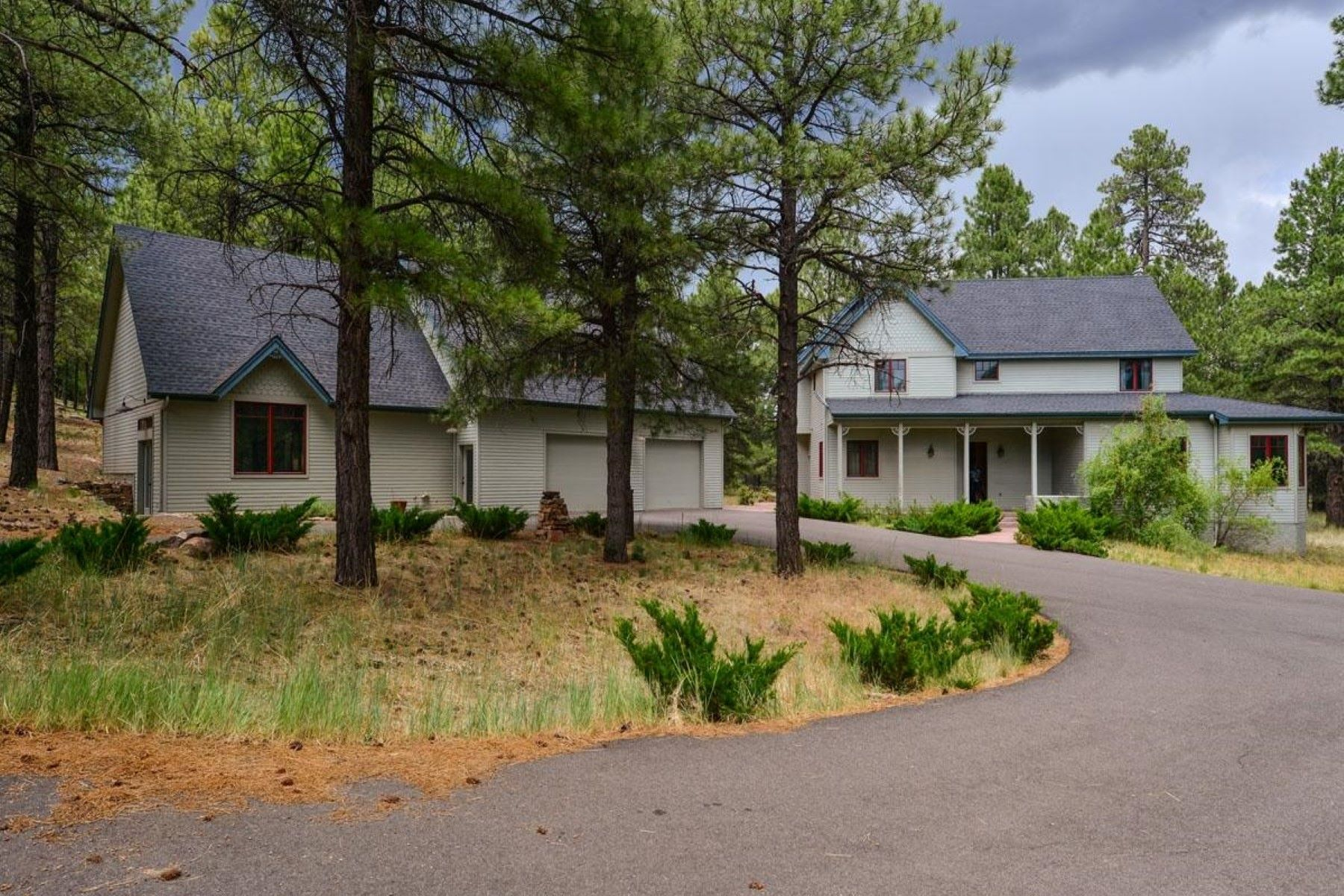 Casa Unifamiliar por un Venta en Custom Ranch with views of the San Francisco Peaks 2340 Constitution Blvd, Flagstaff, Arizona, 86005 Estados Unidos