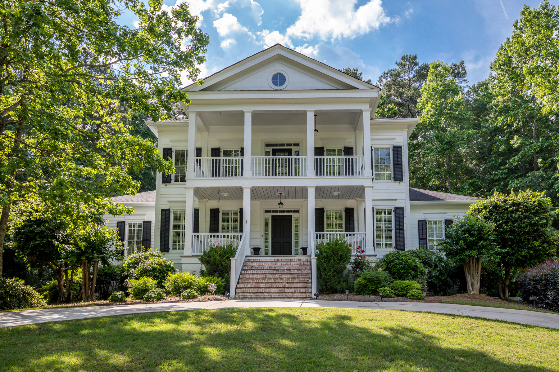 Single Family Homes for Sale at Classic Highgrove Home 220 Old Ivy, Fayetteville, Georgia 30215 United States