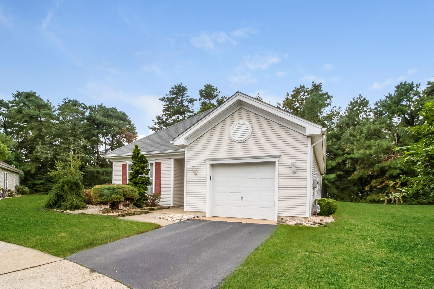 Single Family Home for Sale at Expanded Bayberry Model 9 Fallcrest Court, Lakewood, New Jersey 08701 United States