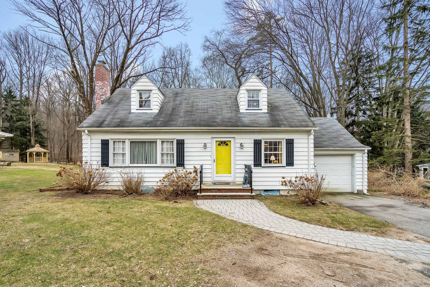 Single Family Homes for Sale at Grace and Charm 116 Long Hill Road Oakland, New Jersey 07436 United States