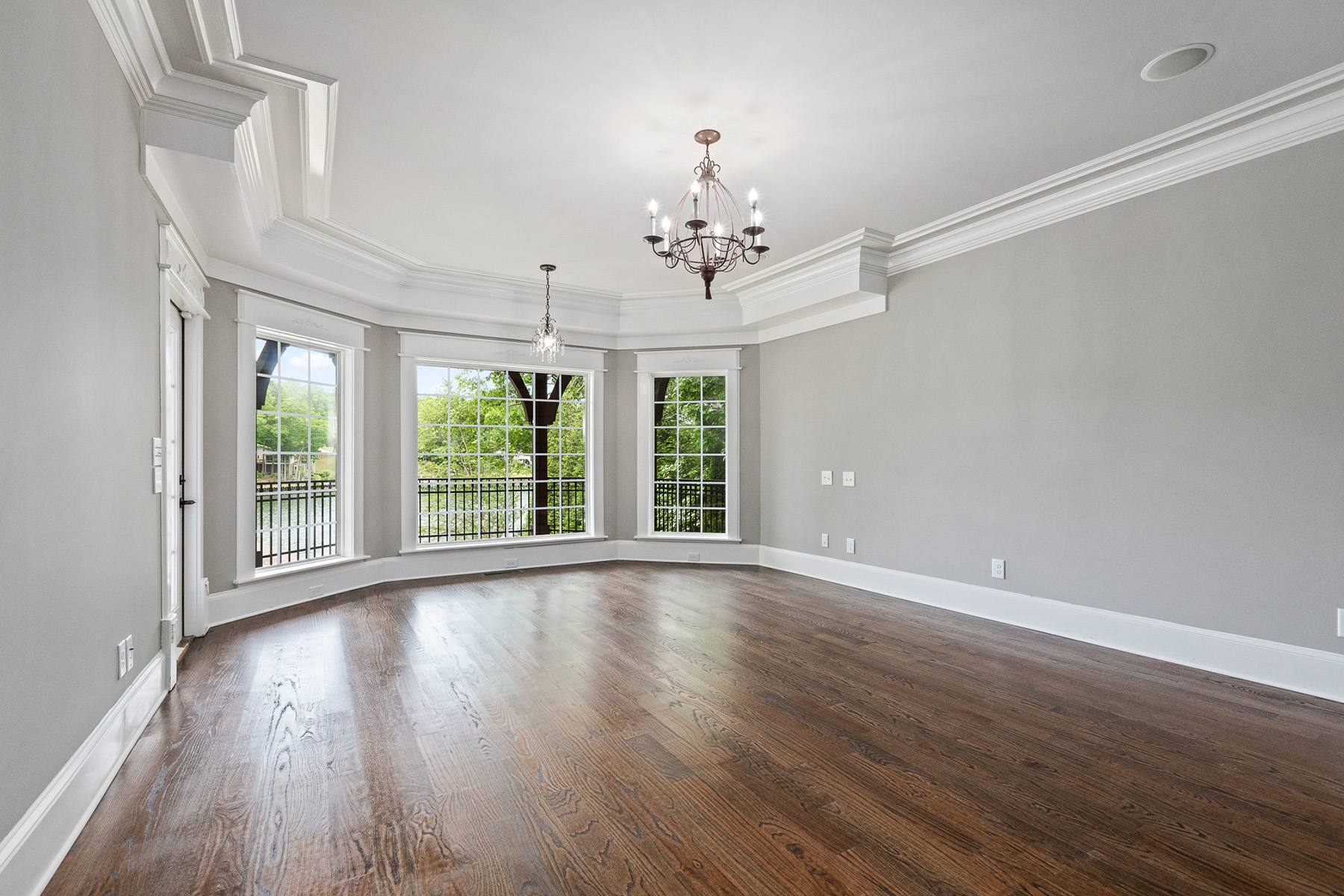 Additional photo for property listing at Exquisite Executive Lake Front Masterpiece 10104 Lakeview Parkway, Villa Rica, Georgia 30180 Estados Unidos